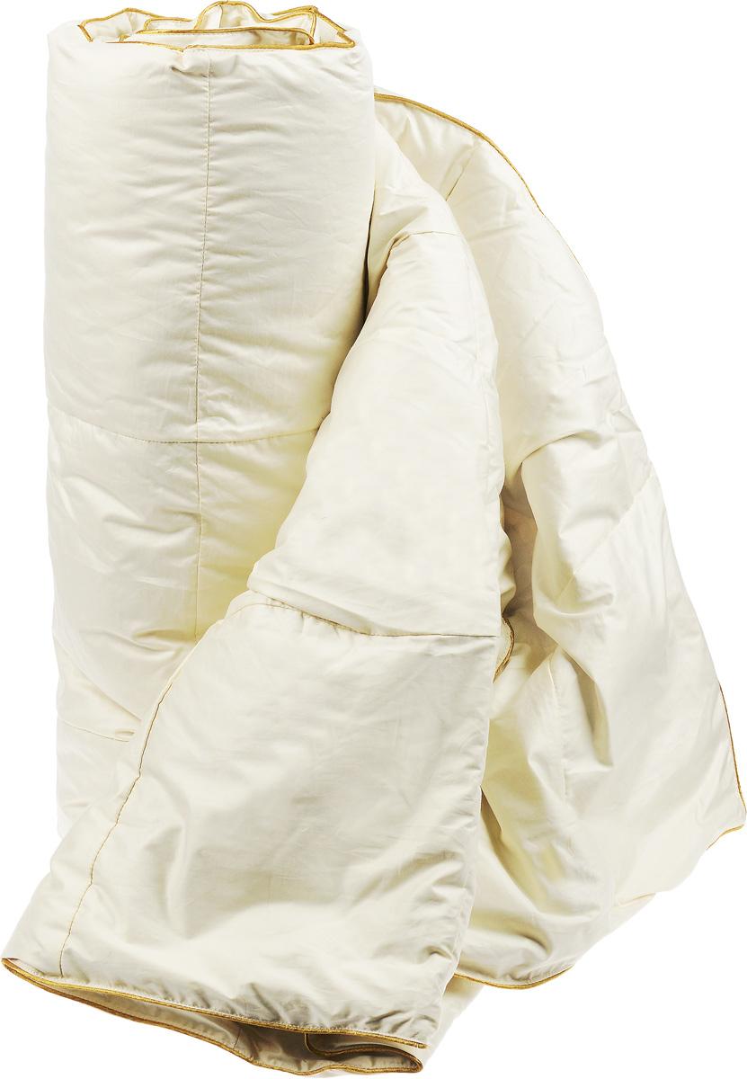 Одеяло легкое Легкие сны Biiss, наполнитель: пух сибирского гуся категории Экстра, 172 х 205 см172(17)05-ЛДОЛегкое одеяло Легкие сны Biiss, благодаря своемунаполнителю из серого пуха сибирского гуся категорииЭкстра, способно удерживать тепло во время сна.Кассетное распределение пуха способствует сохранениюформы и воздушности изделия. Он обеспечит здоровый имаксимально комфортный сон.Чехол одеяла выполнен из батиста (100% хлопка). По краюизделие отделано атласным кантом золотистого цвета.Одеяло Легкие сны Biiss подарит вам чувствоневероятного расслабления, тепла и покоя, наполняющеговас новыми силами и энергией. Можно стирать в стиральной машине.