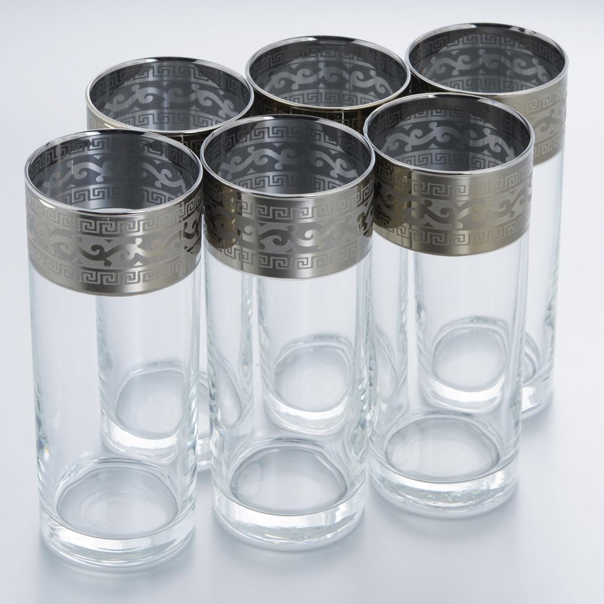 Набор стаканов для сока Гусь-Хрустальный Версаче, 350 мл, 6 штGE08-806Набор Гусь-Хрустальный Версаче состоит из 6 высоких стаканов, изготовленных из высококачественного натрий-кальций-силикатного стекла. Изделия оформлены красивым зеркальным покрытием и широкой окантовкой с оригинальным узором. Стаканы предназначены для подачи сока, а также воды и коктейлей. Такой набор прекрасно дополнит праздничный стол и станет желанным подарком в любом доме. Разрешается мыть в посудомоечной машине. Диаметр стакана (по верхнему краю): 6,3 см. Высота стакана: 15,7 см.Уважаемые клиенты! Обращаем ваше внимание на незначительные изменения в дизайне товара, допускаемые производителем. Поставка осуществляется в зависимости от наличия на складе.