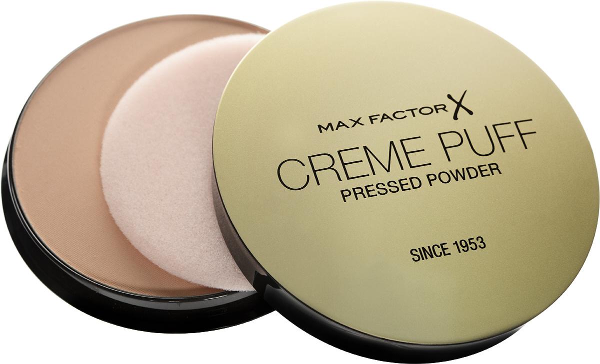 Max Factor Крем-пудра Тональная Creme Puff Powder 13 тон nouveau beige 15 мл29101288006Выглядеть великолепно очень просто: роскошная поверхность кожи с компактной пудрой, создающей умеренное или плотное покрытие. MaxFactor CremePuff- классическая прессованная пудра, которую можно также использовать в качестве тональной основы. Пудра создает превосходное и красивое матовое покрытие, поскольку обладает формулой, поглощающей излишки жира. Идеально подходит для всех типов кожи и придает безупречный вид, наполняя кожу мягким, легким сиянием благодаря множеству удивительных светоотражающих частиц. CremePuff- это универсальная, многофункциональная компактная пудра для любого случая. Отражающие частицы придают мягкое свечение .Пудру можно наносить поверх увлажняющего крема, чтобы лицо выглядело более свежим, поверх тональной основы для праздничного выхода или как многофункциональное средство для изысканного эффектного сияния. Выбери свой образ! Для наилучшего результата наноси пудру нисходящими движениями поверх тональной основы, корректора или румян, чтобы предотвратить появление блеска. Набери пудру на кисть и стряхни излишки. Чтобы кожа выглядела свежей, нанеси пудру вместо тональной основы на лицо после увлажняющего крема. MaxFactorCremePuff- идеально ровная, мгновенно сияющая кожа. Наноси с помощью кисти для пудры для создания ровного светящегося покрытия.