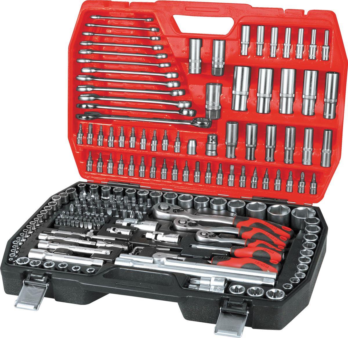 Набор инструментов Zipower, 216 предметовPM 4112Набор инструментов Zipower - достойный выбор для автомастерских, автомобилистов и любителей проводить свободное время, изучая свой автомобиль и устраняя неисправности. В комплекте: шестигранные торцевые головки, удлинители, отверточные биты, комбинированные гаечные ключи, угловые ключи, адаптер-переходник, трещотка с быстрым сбросом.Тщательно подобранный ассортимент инструмента удовлетворит запросы и начинающего автовладельца, и профессионального механика. Применение специальной технологии закалки и термической обработки хромованадиевой стали гарантирует высокую прочность инструмента, его износоустойчивость при интенсивном использовании. Двухкомпонентные рукоятки обеспечивают комфорт во время выполнения работ.Количество предметов: 216 шт. Материал инструмента: Cr-V.