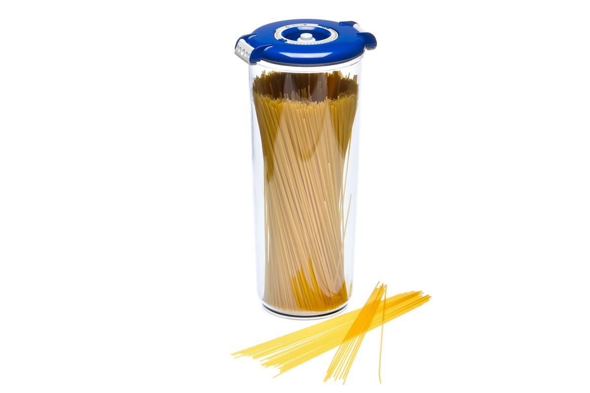 Контейнер вакуумный Status, цвет: прозрачный, синий, 2,5 лVAC-RD-25 BlueВакуумный контейнер Status рекомендован для хранения следующих продуктов: макаронные изделия, крупа, мука, сухофрукты, супы, соусы. Благодаря использованию вакуумных контейнеров, продукты не подвергаются внешнему воздействию и срок хранения значительно увеличивается. Продуктысохраняют свои вкусовые качества и аромат, а запахи в холодильнике не перемешиваются. Контейнер изготовлен из прочного хрустально-прозрачного тритана. На крышке - индикатор даты (месяц, число). Допускается замораживание (до -21 °C), мойка контейнера в посудомоечной машине, разогрев в СВЧ (без крышки). Объем контейнера: 2,5 л. Размер: 13 х 29,5 см.
