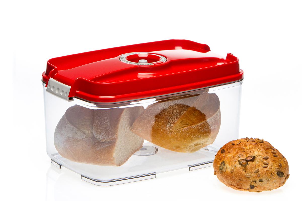 Контейнер вакуумный Status, цвет: прозрачный, красный, 4,5 лVAC-REC-45 RedВакуумный контейнер Status рекомендован для хранения следующих продуктов: фрукты, овощи, хлеб, колбасы, сыры, сладости, соусы, супы. Благодаря использованию вакуумных контейнеров, продукты не подвергаются внешнему воздействию и срок хранения значительно увеличивается. Продуктысохраняют свои вкусовые качества и аромат, а запахи в холодильнике не перемешиваются. Контейнер изготовлен из прочного хрустально-прозрачного тритана. На крышке - индикатор даты (месяц, число). Допускается замораживание (до -21 °C), мойка контейнера в посудомоечной машине, разогрев в СВЧ (без крышки). Объем контейнера: 4,5 л. Размер: 29,5 x 18,5 x 11,5 см.