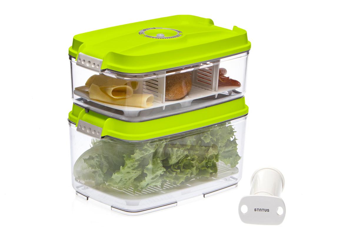 Набор вакуумных контейнеров Status, цвет: прозрачный, зеленый, 2 шт, + ПОДАРОК: вакуумный насос Status. VAC-REC-Bigger WhiteVAC-REC-Bigger GreenНабор вакуумных контейнеров Status рекомендован для хранения следующих продуктов: фрукты, овощи, хлеб, колбасы, сыры, сладости, соусы, супы.Благодаря использованию вакуумных контейнеров, продукты не подвергаются внешнему воздействию и срок хранения значительно увеличивается. Продукты сохраняют свои вкусовые качества и аромат, а запахи в холодильнике не перемешиваются.Контейнеры изготовлены из прочного хрустально-прозрачного тритана. На крышке - индикатор даты (месяц, число).Допускается замораживание (до -21 °C), мойка контейнера в посудомоечной машине, разогрев в СВЧ (без крышки).Объем контейнеров: 3; 4,5 л.Вакуумный насос Status станет отличным дополнением к набору аксессуаров и принадлежностей для кухни. Прибор практичен и удобен в использовании, помогает сохранить свежесть продуктов и увеличить их срок хранения. Такой эффект достигается путем создания внутри контейнеров вакуума, который приостанавливает размножение в продуктах бактерий и плесневых грибов.