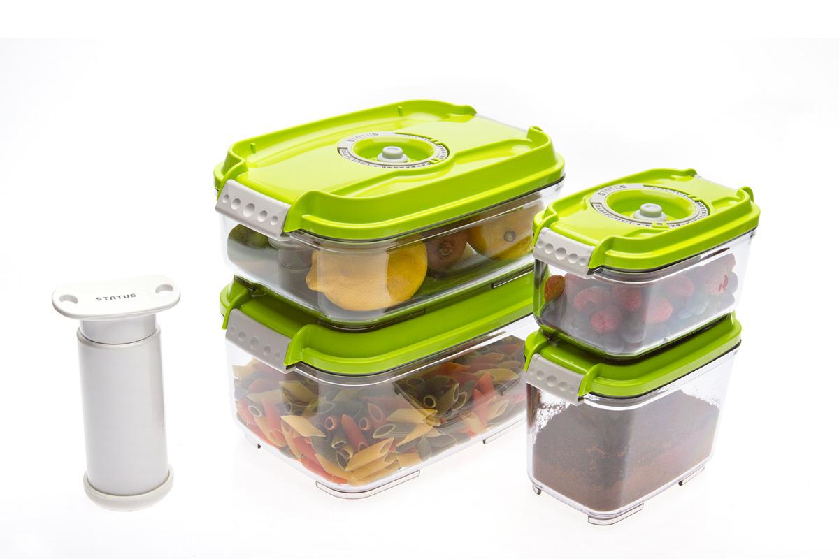 Набор вакуумных контейнеров Status, цвет: прозрачный, зеленый, 4 шт, + ПОДАРОК: вакуумный насос StatusVAC-REC-Smaller GreenНабор вакуумных контейнеров Status рекомендован для хранения следующих продуктов: фрукты, овощи, хлеб, колбасы, сыры, сладости, соусы, супы.Благодаря использованию вакуумных контейнеров, продукты не подвергаются внешнему воздействию и срок хранения значительно увеличивается. Продукты сохраняют свои вкусовые качества и аромат, а запахи в холодильнике не перемешиваются.Контейнеры изготовлены из прочного хрустально-прозрачного тритана. На крышке - индикатор даты (месяц, число).Допускается замораживание (до -21 °C), мойка контейнера в посудомоечной машине, разогрев в СВЧ (без крышки).Объем контейнеров: 0,5; 0,8; 1,4; 2,0 л.Вакуумный насос Status станет отличным дополнением к набору аксессуаров и принадлежностей для кухни. Прибор практичен и удобен в использовании, помогает сохранить свежесть продуктов и увеличить их срок хранения. Такой эффект достигается путем создания внутри контейнеров вакуума, который приостанавливает размножение в продуктах бактерий и плесневых грибов.