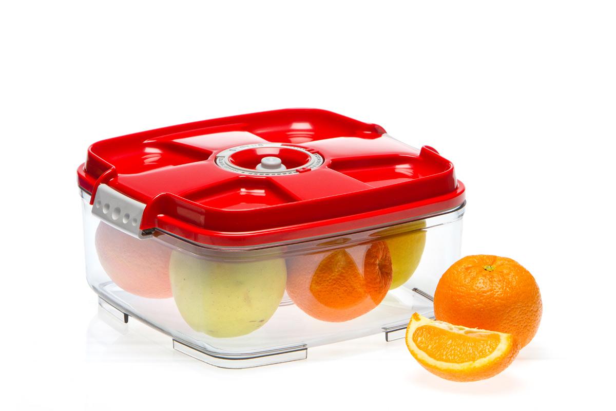 Контейнер вакуумный Status, цвет: прозрачный, красный, 2 л. VAC-SQ-20VAC-SQ-20 RedБлагодаря использованию вакуумного контейнера Status, продукты не подвергаются внешнему воздействию, и срок хранения значительно увеличивается. Продукты сохраняют свои вкусовые качества и аромат, а запахи в холодильнике не перемешиваются. Размер: 22 x 22 x 11 см. Допускается замораживание ( до -21 °C), мойка контейнера в посудомоечной машине, разогрев в СВЧ (без крышки). Рекомендовано хранение следующих продуктов: фрукты, овощи, хлеб, крупа, мука, сухофрукты, колбасы, сыры, соусы, супы.