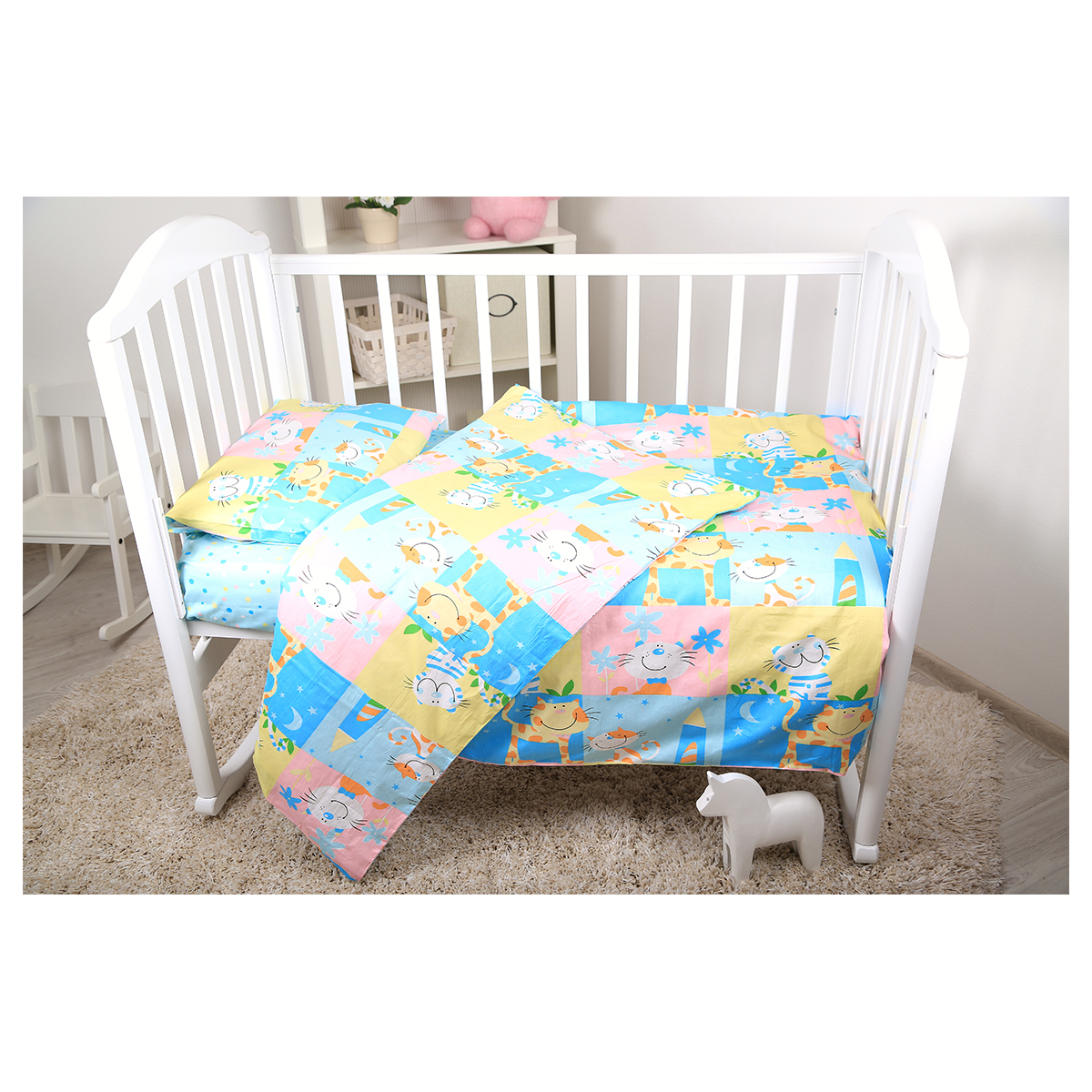 """Комплект белья для новорожденных Baby Nice """"Веселые котята"""" - нежный сатин делает детское постельное белье мягкими и шелковистыми. Красивое детское постельное белье помогает детям заснуть: они с удовольствием ложатся в кроватку и просыпаются в хорошем настроении. Этому способствуют и замечательные характеристики сатина: гипоаллергенность, отличный влаго- и теплообмен."""