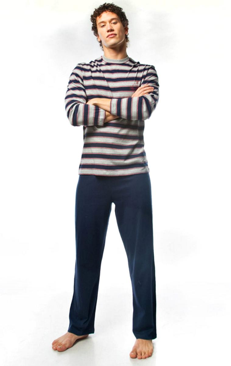 Пижама мужская Lowry, цвет: темно-синий, серый. MPG-67. Размер M (46)MPG-67Симпатичная мужская пижама Lowry, изготовленная из натурального хлопка, приятная на ощупь, не сковывает движения, обеспечивая наибольший комфорт.Пижама состоит из кофты и брюк. Кофта с круглым вырезом горловины и длинными рукавами дополнена принтом в полоску. Брюки свободного кроя дополнены на поясе эластичной резинкой и шнурком для лучшей фиксации на талии. Очень комфортная и уютная пижама.