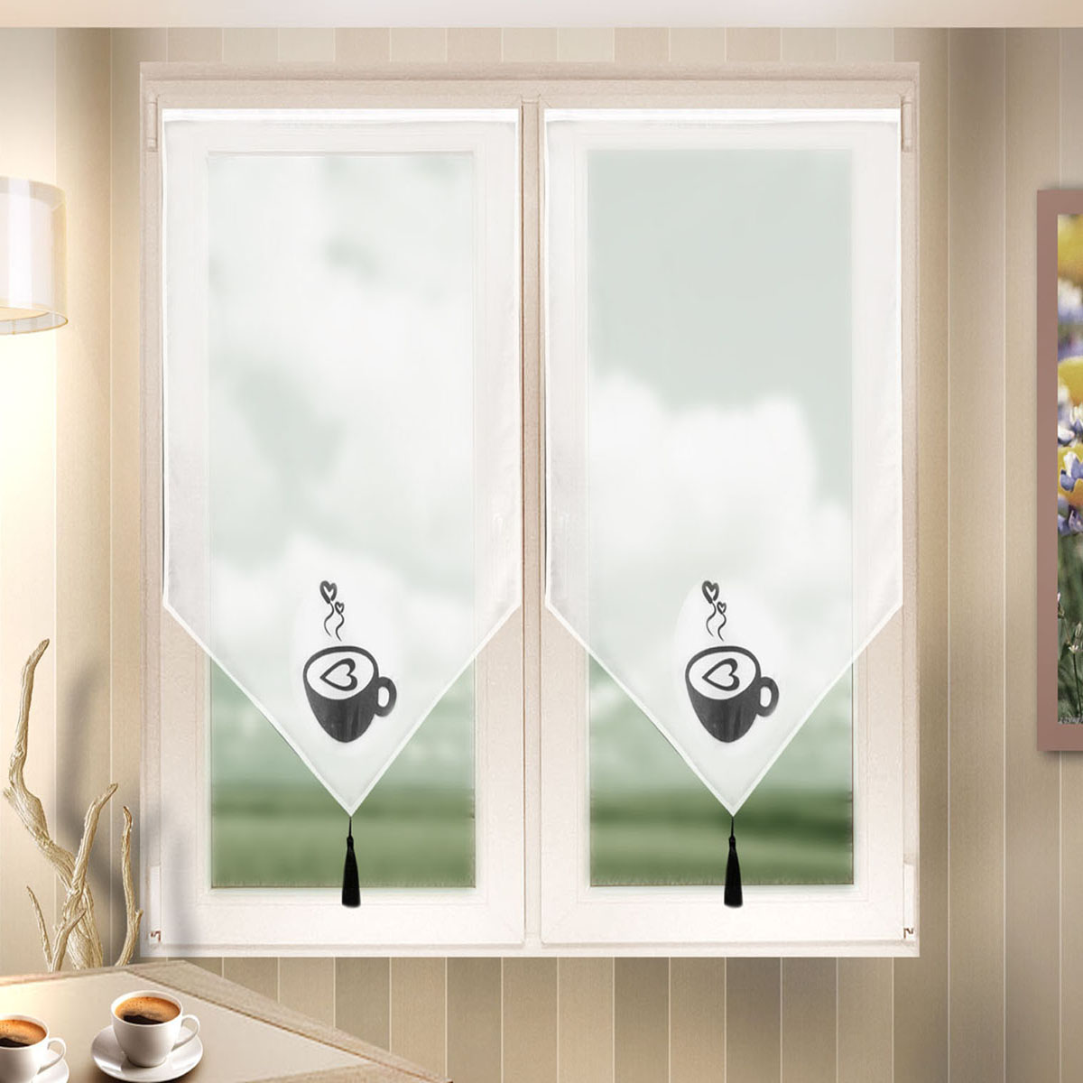 Гардина Zlata Korunka, на липкой ленте, цвет: белый, высота 140 см. 666024666024Гардина на липкой ленте Zlata Korunka, изготовленная из легкого полиэстера, станет великолепным украшением любого окна. Полотно из белой вуали с печатным рисунком привлечет ксебе внимание и органично впишется в интерьер комнаты. Лучшая альтернатива рулонным шторам на кухне – шторы на липкой ленте. Особенность этих штор заключается в том, что они имеют липкую основу в месте крепления. Лента или основа надежно и быстро крепится на раму окна, а на нее фиксируется сама штора.