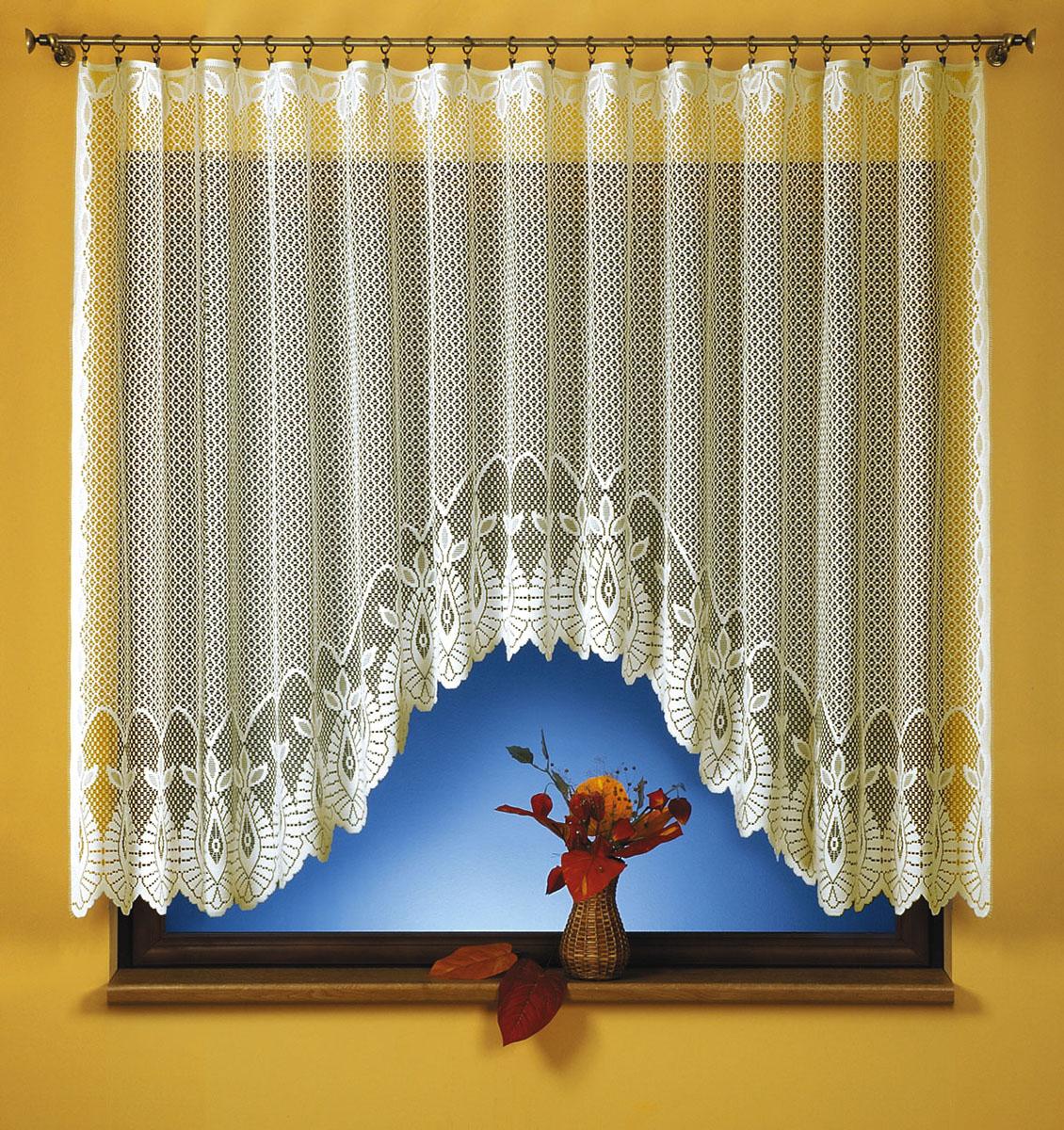 Штора для кухни Wisan, на ленте, цвет: кремовый, высота 150 см. 92619261Жаккардовая штора Wisan, выполненная из легкого полиэстера, станет великолепным украшением кухонного окна. Изделие имеет ассиметричную длину и красивый узор по краю. Качественный материал, тонкое плетение и оригинальный дизайн привлекут к себе внимание и позволят шторе органично вписаться в интерьер помещения. Штора оснащена шторной лентой под зажимы для крепления на карниз.