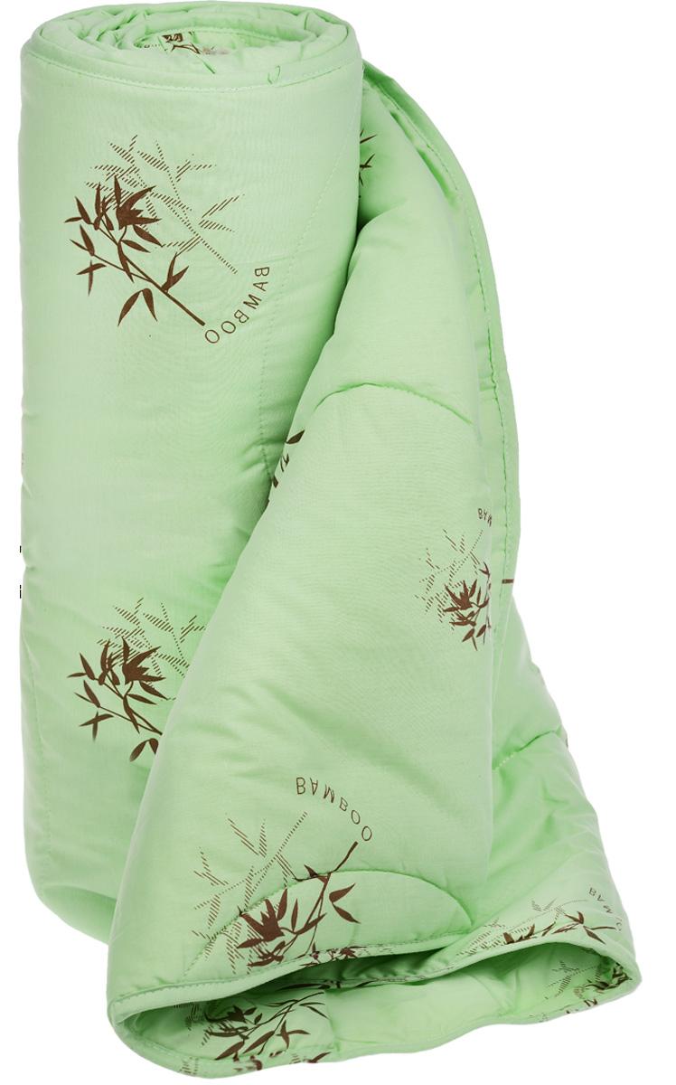 Одеяло легкое Легкие сны Бамбук, наполнитель: бамбуковое волокно, 200 х 220 см200(40)04-БВОЛегкое одеяло Легкие сны Бамбук с наполнителем из бамбукового волокна расслабит, снимет усталость и подарит вам спокойный и здоровый сон. Волокно бамбука - это натуральный материал, добываемый из стеблей растения. Он обладает способностью быстро впитывать и испарять влагу, а также антибактериальными свойствами, что препятствует появлению пылевых клещей и болезнетворных бактерий. Изделия с наполнителем из бамбука легко пропускают воздух, создавая охлаждающий эффект, поэтому им нет равных в жару. Они отличаются превосходными дезодорирующими свойствами, мягкие, легкие, нетребовательны в уходе, гипоаллергенные и подходят абсолютно всем. Чехол одеяла, выполненный из поплина (100% хлопка), придает изделию дополнительную прочность и износостойкость. При регулярном проветривании и взбивании оно прослужит достаточно долго, сохраняя лучшие качества растительного наполнителя и создавая комфортные условия для отдыха.Одеяло простегано. Стежка надежно удерживает наполнитель внутри и не позволяет ему скатываться. Можно стирать в стиральной машине при температуре 30°C. Плотность наполнителя: 200 г/м2.