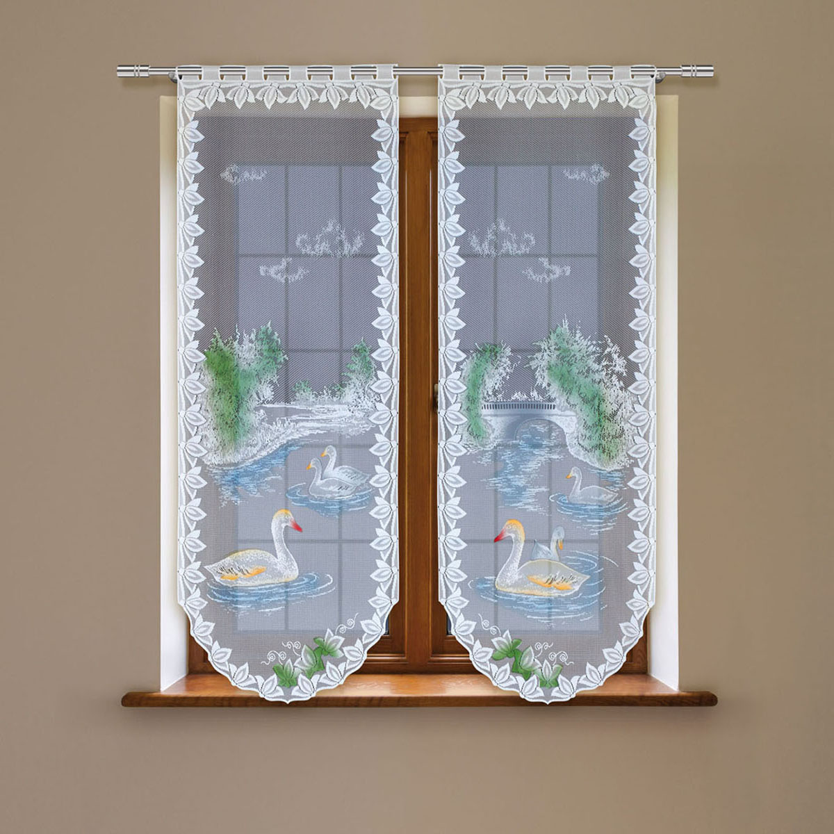Гардина Haft, цвет: белый, высота 220 см. 4243Е/604243Е/60Гардина имеет в верхней части полотна прорези, через которые гардина-витраж вывешивается на карниз или можно крепить на зажим для штор,котрый в комплект не входит.Комплект состоит из двух полотен (выс.220* шир.60) Размеры: (высота 220* ширина 60)*2