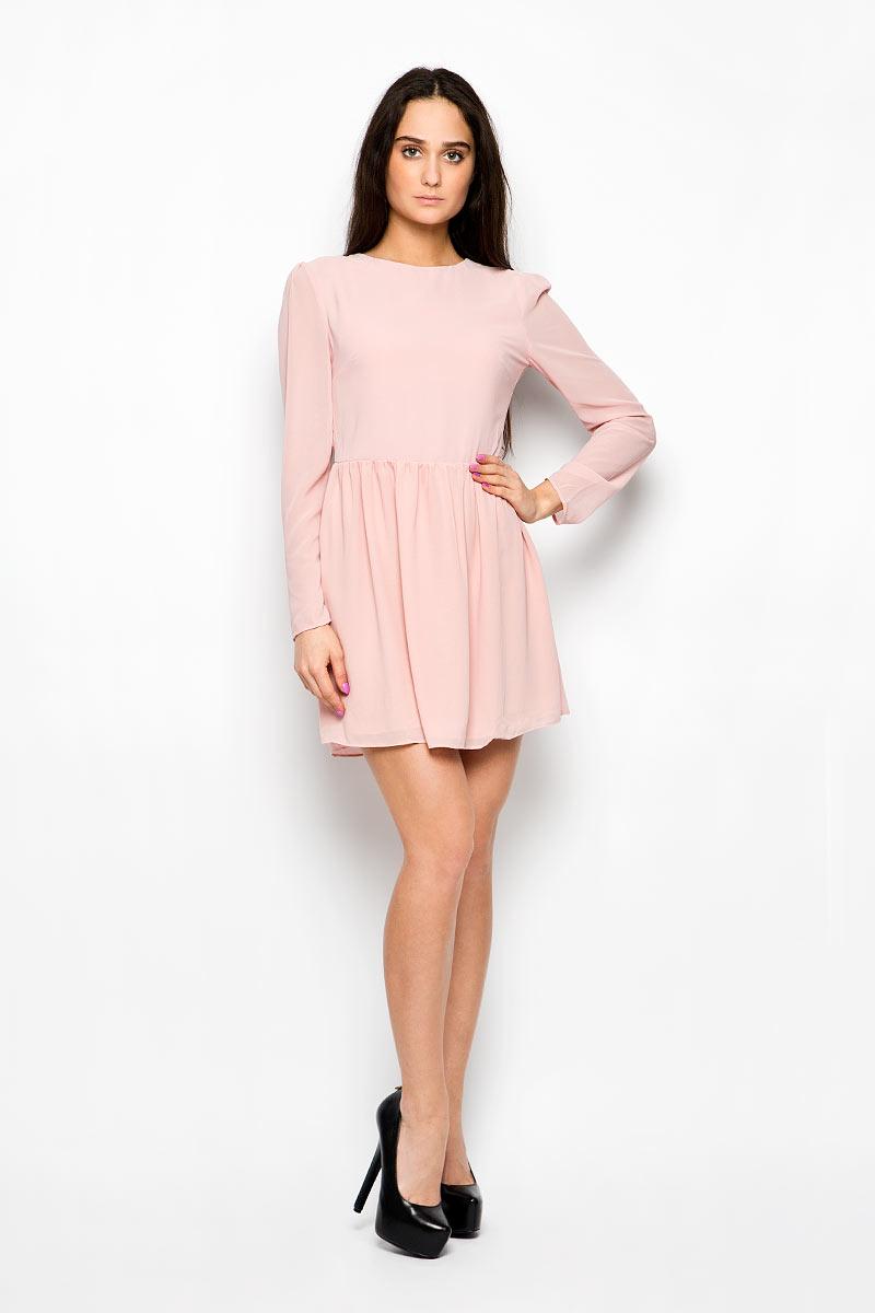 Платье Glamorous, цвет: бледно-розовый. CK2061. Размер S (44)CK2061_Light Dusty PinkЭлегантное и невероятно легкое платье Glamorous, выполненное из полупрозрачного материала, преподносит все достоинства женской фигуры в наиболее выгодном свете. Модель с круглым вырезом горловины и длинными рукавами на спинке застегивается на скрытую застежку-молнию и дополнительно на пуговицу. Втачные рукава чуть присборены в верхней части канта. Благодаря свойствам используемого материала изделие практически не сминается. Это стильное платье станет отличным дополнением к вашему гардеробу!