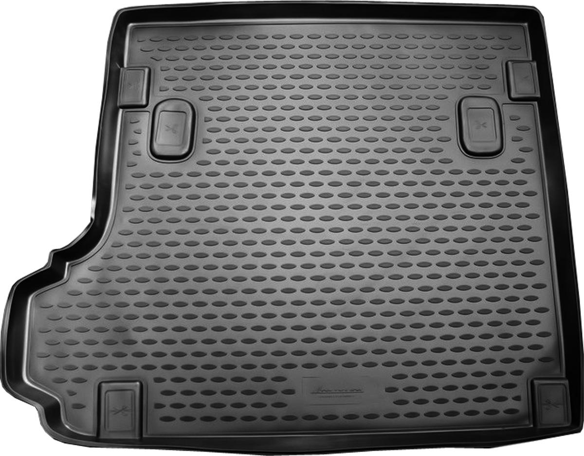 Коврик в багажник BMW X3 2008->, кросс. (полиуретан)NLC.05.16.B12Автомобильный коврик в багажник позволит вам без особых усилий содержать в чистоте багажный отсек вашего авто и при этом перевозить в нем абсолютно любые грузы. Этот модельный коврик идеально подойдет по размерам багажнику вашего авто. Такой автомобильный коврик гарантированно защитит багажник вашего автомобиля от грязи, мусора и пыли, которые постоянно скапливаются в этом отсеке. А кроме того, поддон не пропускает влагу. Все это надолго убережет важную часть кузова от износа. Коврик в багажнике сильно упростит для вас уборку. Согласитесь, гораздо проще достать и почистить один коврик, нежели весь багажный отсек. Тем более, что поддон достаточно просто вынимается и вставляется обратно. Мыть коврик для багажника из полиуретана можно любыми чистящими средствами или просто водой. При этом много времени у вас уборка не отнимет, ведь полиуретан устойчив к загрязнениям.Если вам приходится перевозить в багажнике тяжелые грузы, за сохранность автоковрика можете не беспокоиться. Он сделан из прочного материала, который не деформируется при механических нагрузках и устойчив даже к экстремальным температурам. А кроме того, коврик для багажника надежно фиксируется и не сдвигается во время поездки — это дополнительная гарантия сохранности вашего багажа.