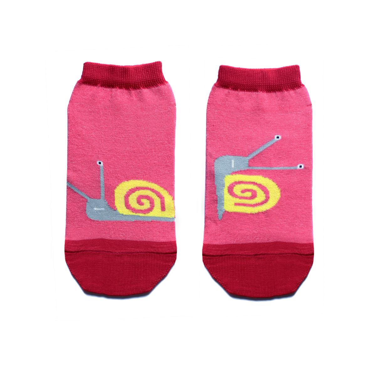 Носки женские Big Bang Socks, цвет: розовый, красный, желтый. ca1622. Размер 35/39ca1622Укороченные женские носки Big Bang Socks изготовлены из высококачественного хлопка с добавлением полиамидных и эластановых волокон, которые обеспечивают великолепную посадку. Носки отличаются ярким стильным дизайном, они оформлены изображением забавных улиток. Удобная резинка идеально облегает ногу и не пережимает сосуды, а усиленные пятка и мысок повышают износоустойчивость носка. Дизайнерские носки Big Bang Socks - яркая деталь в вашем образе и оригинальный подарок для друзей и близких.