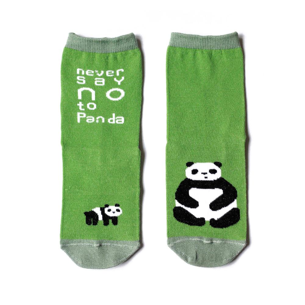 Носки женские Big Bang Socks Панда, цвет: салатовый. a111. Размер 35/39a111Яркие женские носки Big Bang Socks изготовлены из высококачественного хлопка с добавлением полиамидных и эластановых волокон, которые обеспечивают великолепную посадку. Носки отличаются ярким стильным дизайном, они оформлены изображением панды и надписью: Never say NO to Panda. Удобная резинка идеально облегает ногу и не пережимает сосуды, а усиленные пятка и мысок повышают износоустойчивость носка. Дизайнерские носки Big Bang Socks - яркая деталь в вашем образе и оригинальный подарок для друзей и близких.
