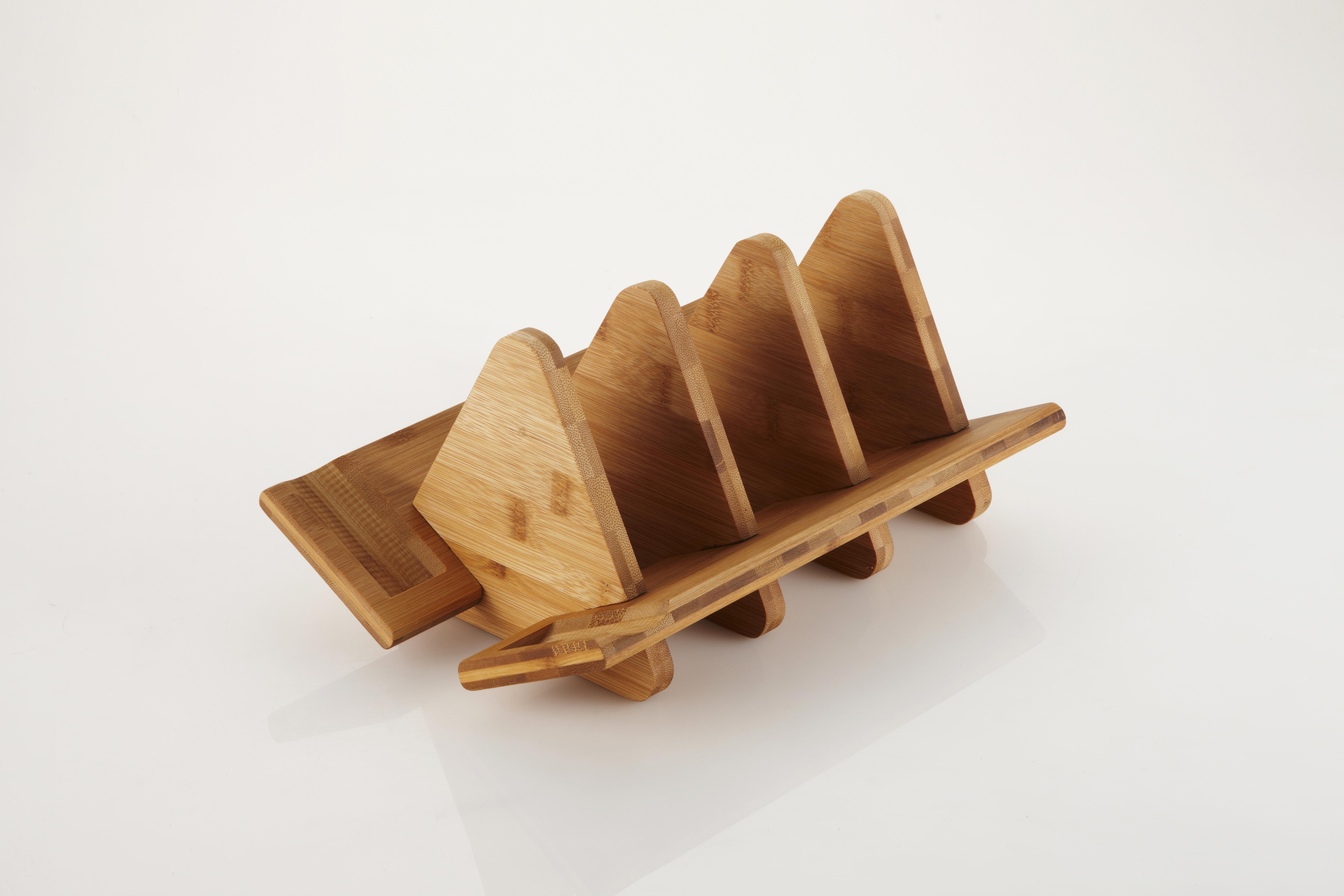 Подставка для посуды Frybest. MyPan-WDRMyPan-WDRБамбуковая подставка из коллекции MyPan предназначена для компактного и удобного хранения посуды. Превращайте коллекцию посуды в стильный элемент интерьера одним движением! Экологичная, удобная и стильная подставка из бамбука легко собирается и надежно удерживает ваши любимые волшебные сковородки.