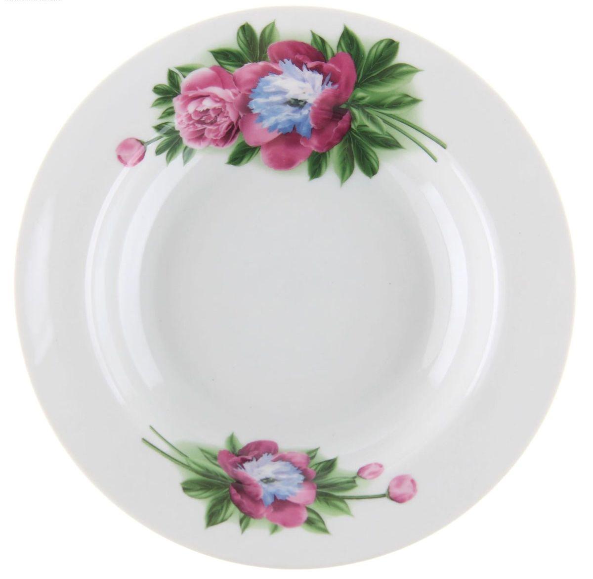 """Глубокая тарелка """"Идиллия. Пион"""" выполнена из высококачественного фарфора и украшена ярким рисунком. Она  прекрасно впишется в интерьер вашей кухни и станет достойным дополнением к кухонному инвентарю.  Тарелка """"Идиллия. Пион"""" подчеркнет прекрасный вкус хозяйки и станет отличным подарком.   Диаметр тарелки: 20 см."""