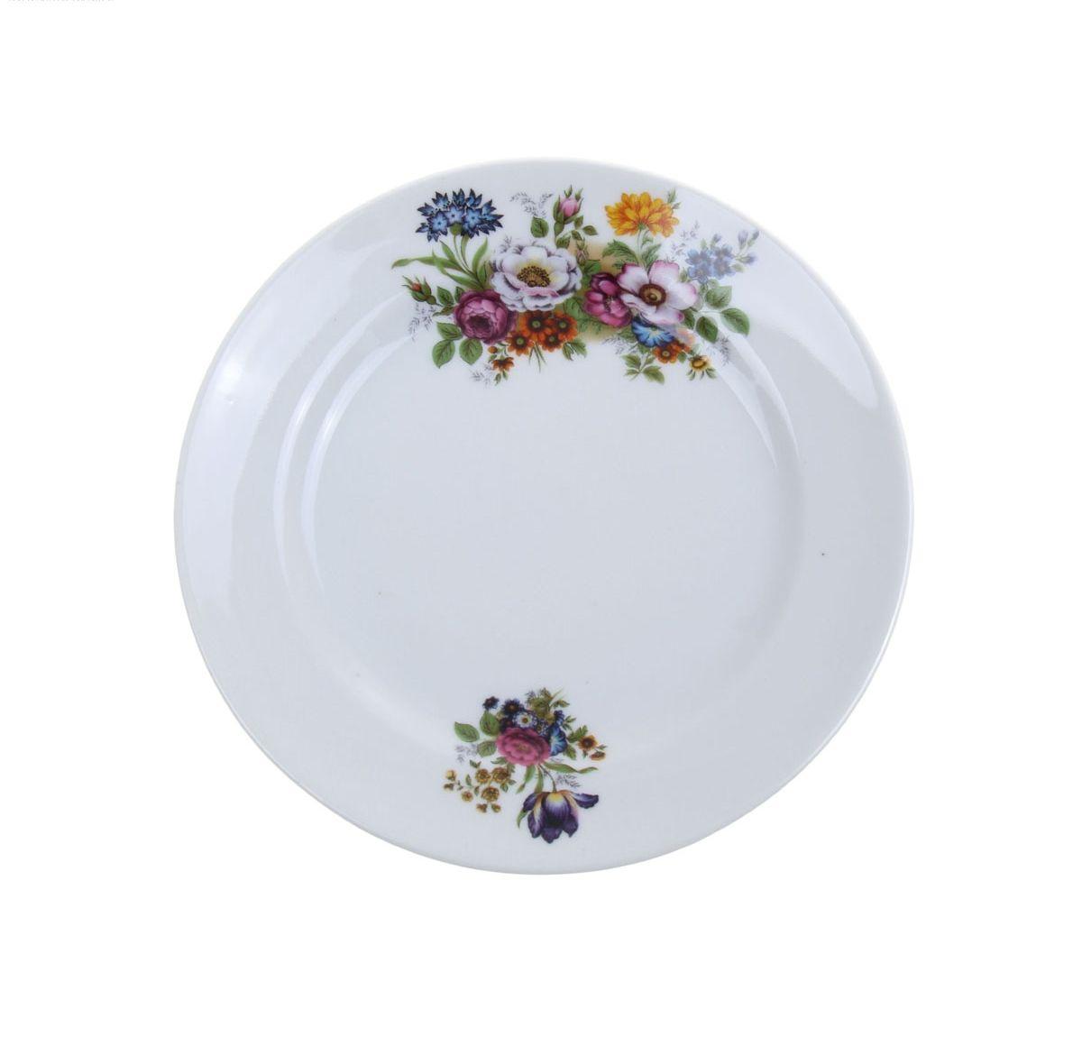 Тарелка мелкая Идиллия. Букет цветов, диаметр 17 см1063088Мелкая тарелка Идиллия. Букет цветов выполнена из высококачественного фарфора и украшена ярким рисунком. Она прекрасно впишется в интерьер вашей кухни и станет достойным дополнением к кухонному инвентарю. Тарелка Идиллия. Букет цветов подчеркнет прекрасный вкус хозяйки и станет отличным подарком. Диаметр тарелки: 17 см.