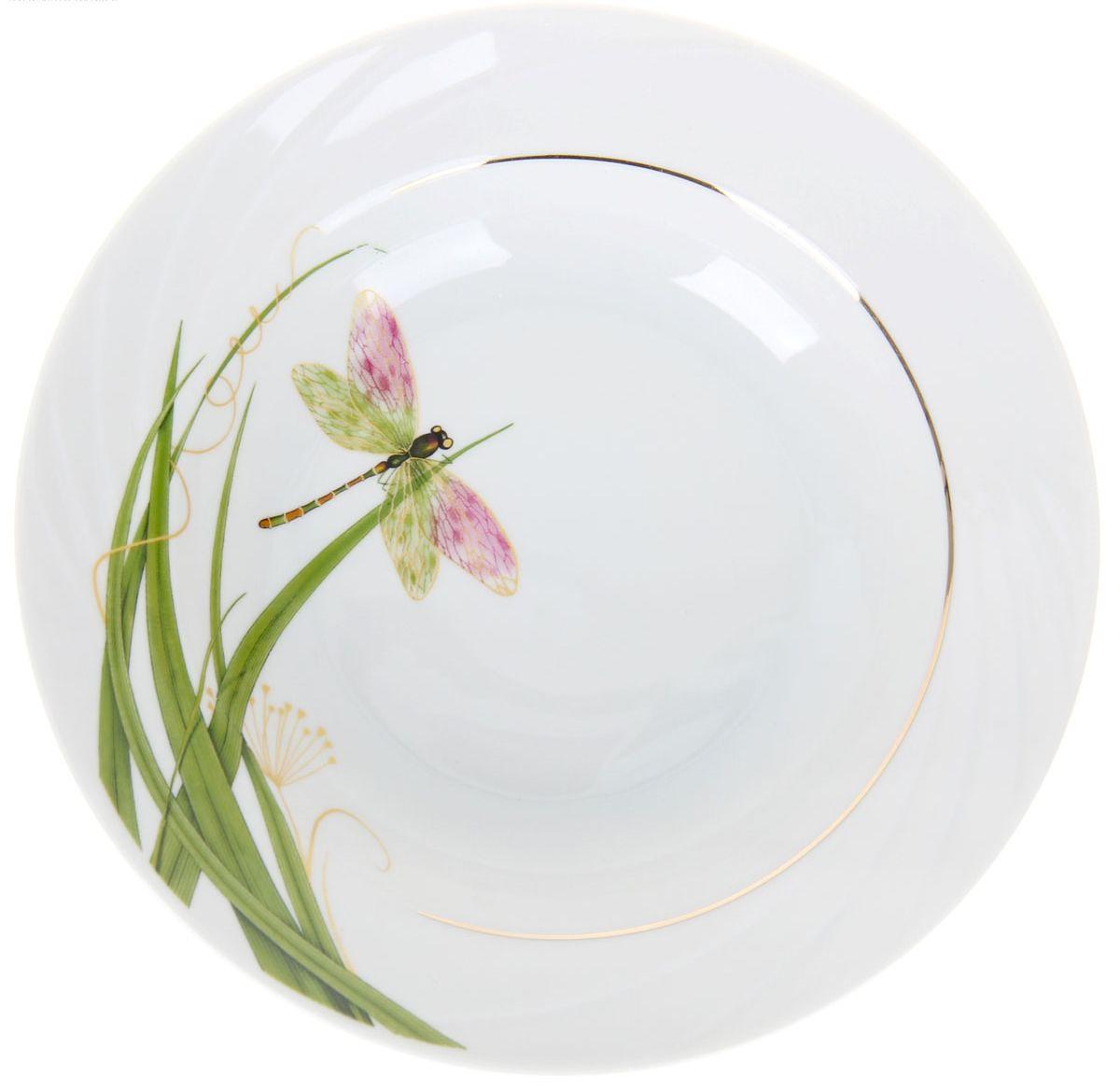 Тарелка глубокая Голубка. Стрекоза, диаметр 20 см1224525Глубокая тарелка Голубка. Стрекоза выполнена из высококачественного фарфора и оформлена изображением стрекозы. Изделие сочетает в себе изысканный дизайн с максимальной функциональностью. Она прекрасно впишется в интерьер вашей кухни и станет достойным дополнением к кухонному инвентарю. Тарелка Голубка. Стрекоза подчеркнет прекрасный вкус хозяйки и станет отличным подарком. Диаметр: 20 см.
