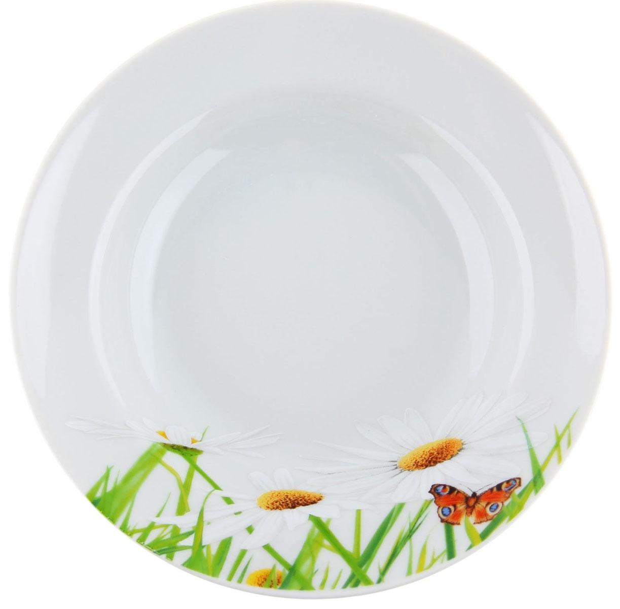 Тарелка глубокая Идиллия. Ромашка, диаметр 20 см1280309Глубокая тарелка Идиллия. Ромашка выполнена из высококачественного фарфора и украшена ярким цветочным рисунком. Она прекрасно впишется в интерьер вашей кухни и станет достойным дополнением к кухонному инвентарю. Тарелка Идиллия. Ромашка подчеркнет прекрасный вкус хозяйки и станет отличным подарком.