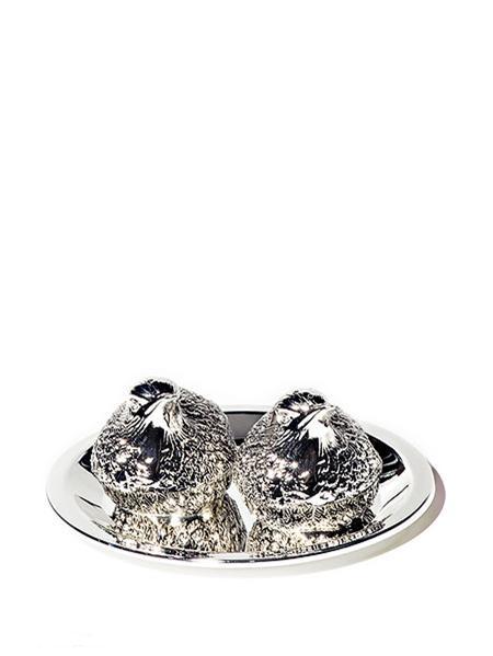 Набор для соли и перца Marquis Птицы, 3 предмета161260-000Набор для соли и перца Птицы включает 3 предмета: подносик, солонка, перечница. Размер упаковки: 12,5х9,5х5,5 см. Вес изделия с упаковкой: 0,240 кг. Сухая чистка, нельзя мыть в посудомоечной машине (если присутствуют декоративные элементы, камни, стразы и тд.)