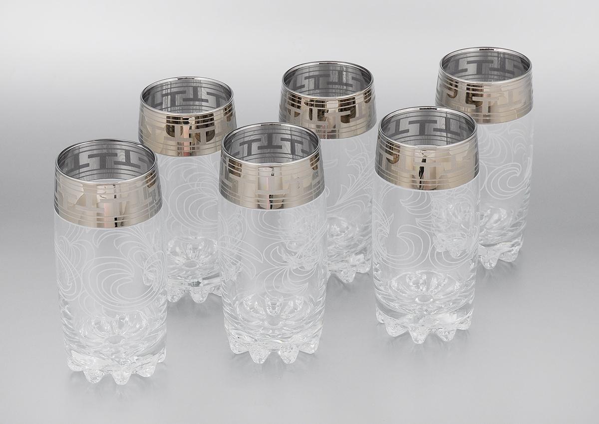 Набор стаканов Гусь-Хрустальный Греческий узор, 390 мл, 6 штGE01-812Набор Гусь-Хрустальный Греческий узор состоит из 6 высоких стаканов, изготовленных из высококачественного натрий-кальций-силикатного стекла. Изделия оформлены красивым зеркальным покрытием и прозрачным орнаментом. Стаканы предназначены для подачи коктейлей, а также воды и сока. Такой набор прекрасно дополнит праздничный стол и станет желанным подарком в любом доме. Разрешается мыть в посудомоечной машине. Диаметр стакана (по верхнему краю): 6 см. Высота стакана: 14,7 см.