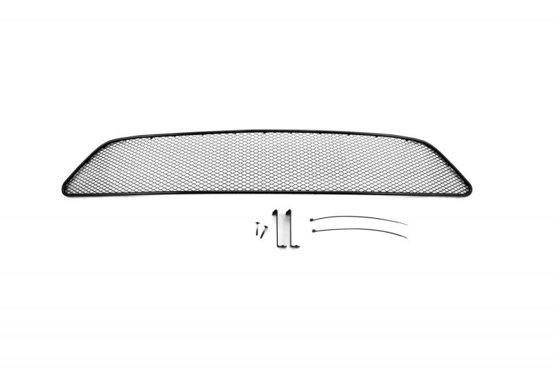 Сетка для защиты радиатора Novline-Autofamily, для Nissan Tiida 2015-01-392015-151В отличие от универсальных сеток, данный продукт разрабатывается индивидуально под каждый бампер автомобиля. Внешняя защитная сетка радиатора полностью повторяет геометрию решетки бампера и гармонично вписывается в общий стиль автомобиля. При создании продукта были учтены как потребности автомобилистов, для которых важна исключительно защитная функция, так и автолюбителей, которые ищут способы подчеркнуть или создать новый стиль своего авто. Функциональность, тюнинг, или и то, и другое? Выбор только за вами. Сетка для защиты радиатора изготовлена из антикоррозионного материала, что гарантирует отсутствие ржавчины в процессе эксплуатации. Простая установка делает этот продукт необыкновенно удобным. В отличие от универсальных сеток, для установки которых требуется снятие бампера, то есть наличие специализированных навыков и дополнительного оборудования (подъемник и так далее), для установки этого продукта понадобится 20 минут времени и отвертка.