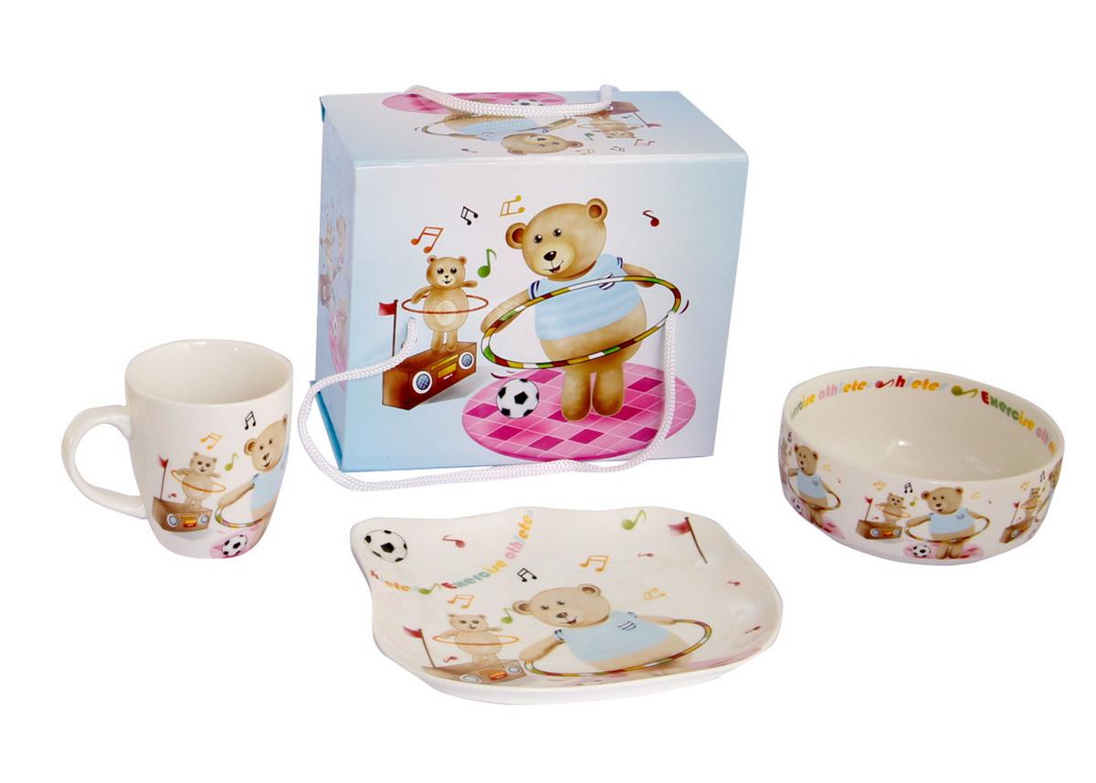 Rosenberg Набор детской посуды 87803807000151Набор детской посуды Rosenberg, выполненный из высококачественной керамики, состоит из кружки, тарелки и миски. Предметы набора оформлены изображением мишек.Такая посуда привлечет внимание вашего малыша. Красочная посуда является залогом хорошего настроения и аппетита ваших детей. Можно мыть в посудомоечной машине и использовать в микроволновой печи.Плоская тарелка: 17.5 х 15 см, Диаметр глубокой тарелки (по верхнему краю): 12.5 см, Объем глубокой тарелки: 300ml,Объем кружки: 175ml