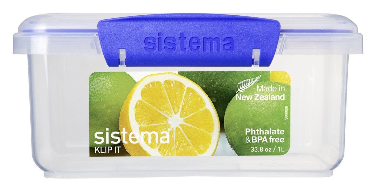 Контейнер пищевой Sistema, цвет: прозрачный, синий, 1 л1600Контейнер Sistema предназначен для хранения различных продуктов. Контейнеры вкладываются один в другой для экономии места при хранении. Крышка с силиконовой прокладкой герметично закрывается что помогает дольше сохранить полезные свойства продуктов. Контейнер надежно закрывается клипсами, которые при необходимости можно заменить. Можно мыть в посудомоечной машине.