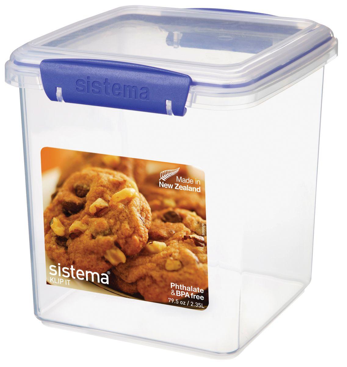 Контейнер для печенья Sistema Klip It, 2,35 л1334Контейнер Klip It предназначен для хранения печенья. Контейнеры вкладываются один в другой для экономии места при хранении. Крышка с силиконовой прокладкой герметично закрывается, что помогает дольше сохранить полезные свойства продуктов. Контейнер надежно закрывается клипсами, которые при необходимости можно заменить.Можно мыть в посудомоечной машине.
