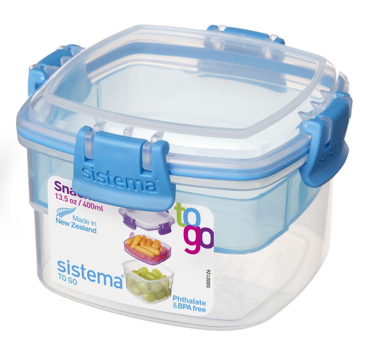 Контейнер пищевой Sistema To-Go, двухуровневый, цвет: прозрачный, голубой, 400 мл21320Контейнер двухуровневый Sistema To-Goудобен для хранения и транспортировки бутербродов, порционных салатов, мяса или рыбы, горячих и холодных блюд. Контейнер оснащен фиксирующимися зажимами - клипсами, которые при необходимости можно будет заменить. На крышке имеется прорезиненный обод, который способствует более герметичному закрыванию. Можно мыть в посудомоечной машине.