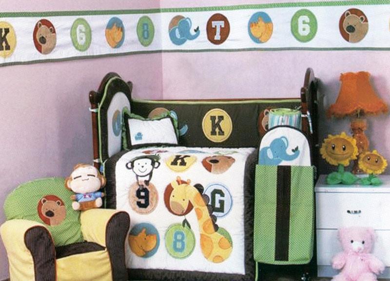 Arya Набор для детской кровати AnimalsF0007609Плед Arya серии Детский создан из микрофибры, украшен вышивкой и аппликацией. Микрофибра - это материал высочайшего качества, изготовленный из сложных микроволокон, который по ощущениям напоминает велюр и является невероятно мягким. Ткань из микрофибры - дышащая, очень устойчива к загрязнениям и пятнам. Долго сохраняет свой высококачественный внешний вид и мягкость.Радостные аппликации и вышивка создадут уютный дизайн в детской.Компания Arya - производитель пледа, является признанным турецким лидером на рынке постельных принадлежностей и текстиля для дома. Поэтому вы можете быть уверены, что приобретенные текстильные изделия доставит вам и вашим близким удовольствие.