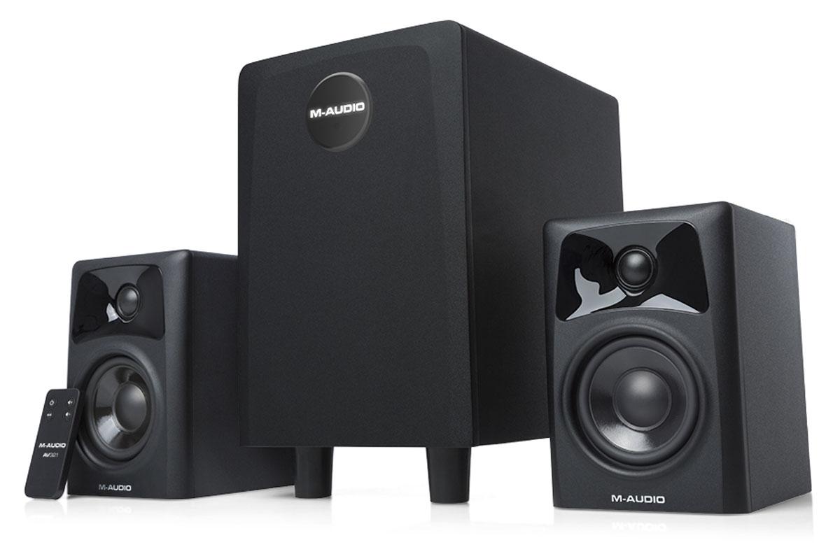 M-Audio AV32.1, Black акустическая системаAV32.1Трехкомпонентная акустическая система M-Audio AV32.1 состоит из пары компактных 2-полосных мониторов и сабвуфера со встроенным трёхканальным усилителем. Данная новинка обеспечивает глубокое, живое, полнодиапазонное звучание.Данная акустика идеально подойдёт для небольших студий и представляет собой идеальное решение для мониторинга и сведения. Также модель AV32.1 можно использовать в качестве мультимедийной акустики.Сабвуфер располагает длинноходовым 6,5-дюймовым НЧ-излучателем и обеспечивает глубокий бас вплоть до 36 Гц.Корпуса сабвуфера и мониторов выполнены из высокопрочного MDF.В мониторах используются 3-дюймовый СЧ-динамик с диффузором из полипропилена и 25-миллиметровый твитер с шёлковым куполомФункция Bypass позволяет при необходимости исключить сабвуфер из звукового тракта.