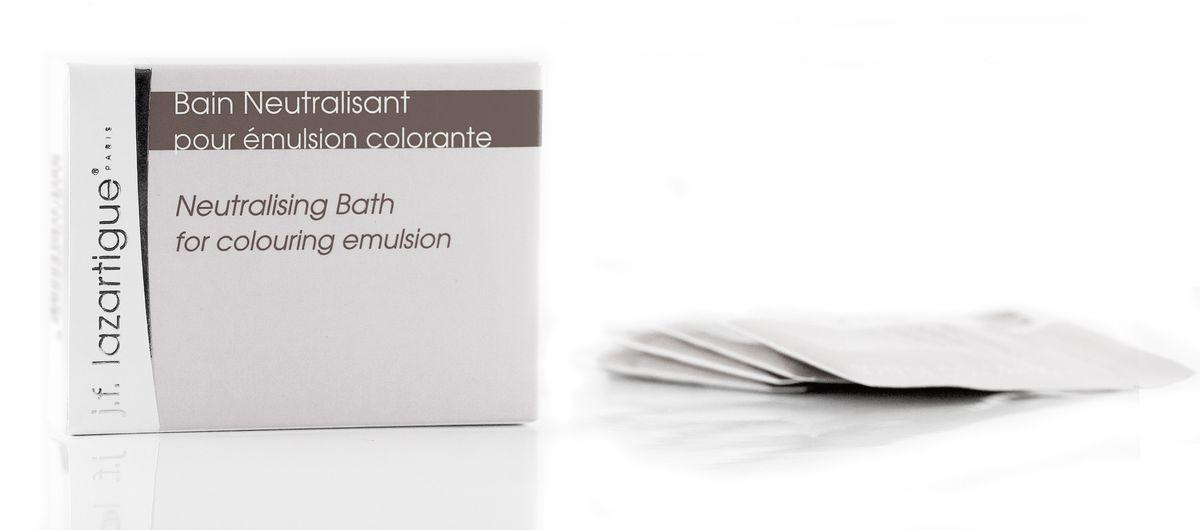 J.F.Lazartigue Нейтрализующая ванна после оттеночной эмульсии 24 мл01701Используется для нейтрализации Оттеночной эмульсии J.F. Lazartigue и закрепления окраски волос. Содержимого 1 пакетика достаточно на одно применение.