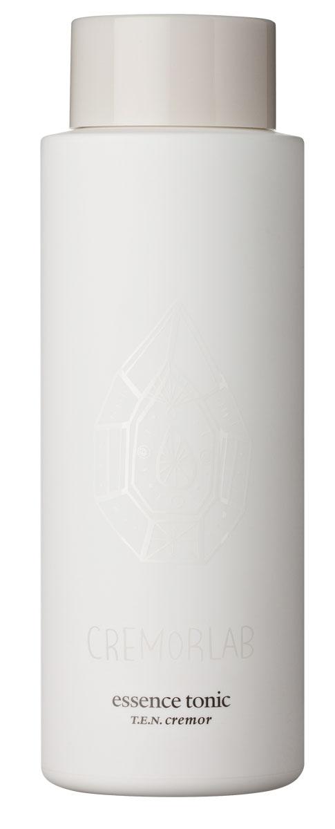 Cremorlab T.E.N. Cremor Тоник с высоким содержанием минералов Essence Tonic, 250 мл61003Высоко насыщенный минералами увлажняющий тоник активизирует клеточный метаболизм, эффективно замедляет процессы старения, насыщает кожу жизненной энергией. Уникальная формула средства, без парабенов, силиконов и искусственных красителей, состоит из натуральных растительных экстрактов алое вера, зеленого чая, центеллы азиатской, шиповника и гамамелиса, и способствует глубокому проникновению увлажняющих компонентов и минералов, существенно улучшая текстуру, тон и цвет кожи. Увлажняющий тоник является великолепным продуктом, как для ежедневного ухода, так и средством скорой помощи – для быстрого снятия раздражения и покраснения. Рекомендовано для всех типов и состояний кожи.