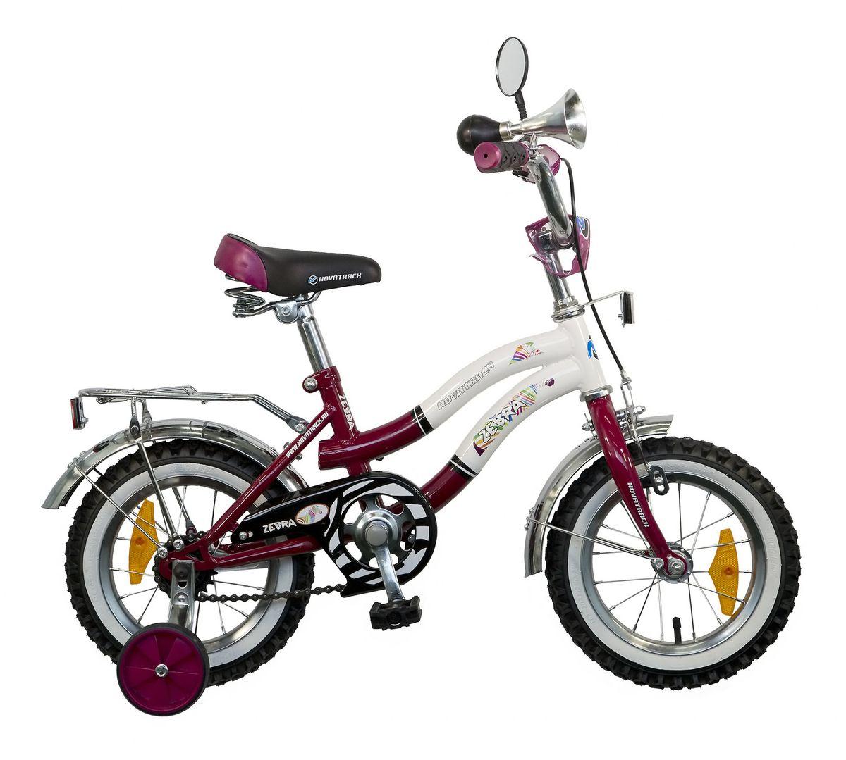 Велосипед детский Novatrack Zebra, цвет: бордовый, белый, 12125ZEBRA.CLR5Novatrack Zebra c 12-дюймовыми колесами – это надежный велосипед для ребят от 2 до 4 лет. Данная модель специально разработана для начинающих велосипедистов: дополнительные колеса, которые можно будет снять, когда ребенок научится держать равновесие, блестящий багажник для перевозки игрушек, надежные ручной и ножной тормоза, защита цепи от попадания одежды в механизм - все это сделает каждую поездку юного велосипедиста комфортной и безопасной. Дополнительно велосипед оснащен ограничителем поворота, который не позволяет ребенку поворачивать руль на очень большой градус, и тем самым предотвращает падение, делая процесс катания еще более безопасным. Маленькому велосипедисту, будь то мальчик или девочка, обязательно понравятся блестящий звонкий гудок и зеркальце заднего вида, которые установлены на руле велосипеда. Высота сидения и руля регулируются, поэтому велосипед прослужит малышу не один год.