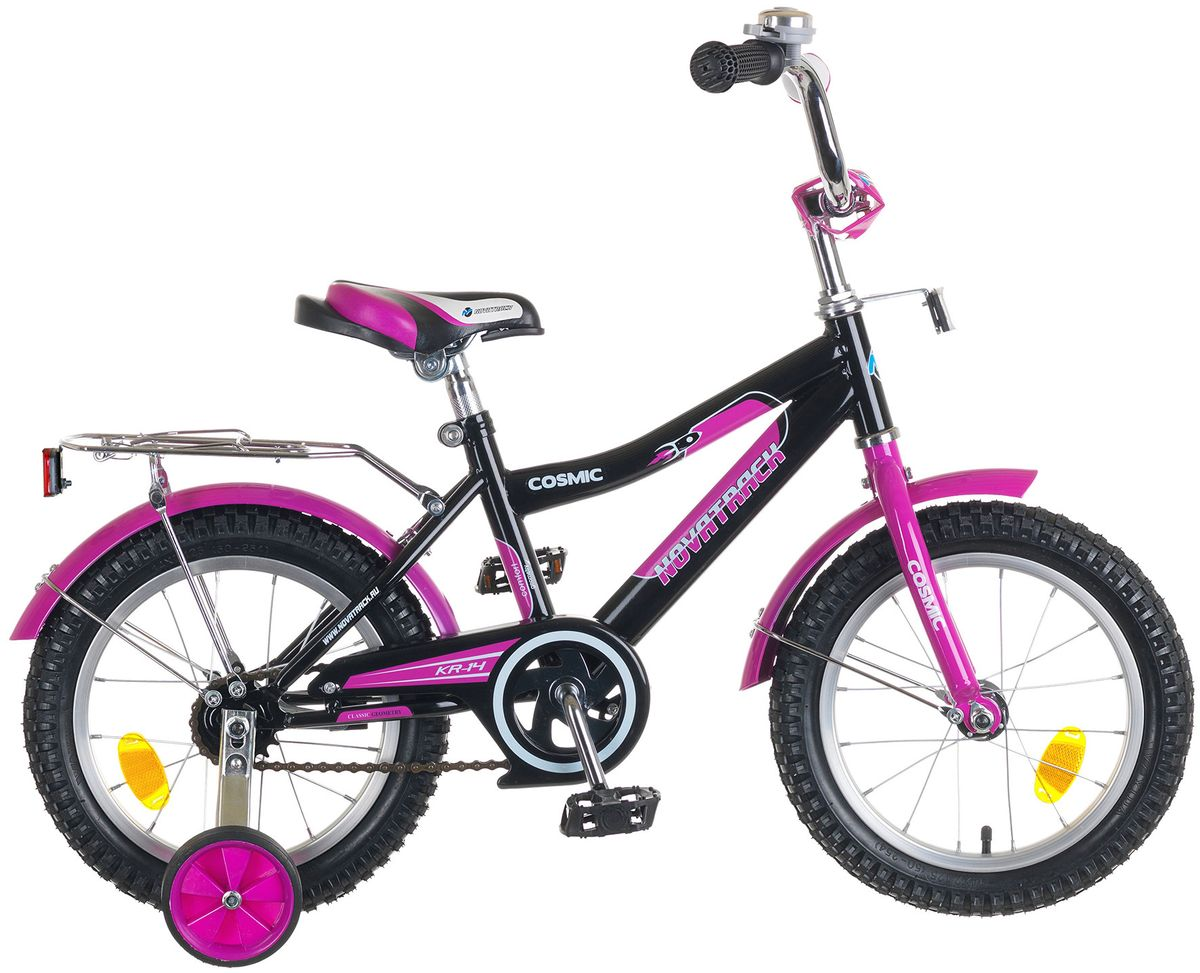 Велосипед детский Novatrack Cosmic 14, цвет: черный143COSMIC.BK5Велосипед Novatrack Cosmic 14'' – это абсолютно необходимая вещь для детей 3-5 лет. В этом возрасте у ребят очень большой уровень энергии, которую необходимо выплескивать с пользой для организма, да и кто же по доброй воле откажется от велосипеда, тем более такого, как Cosmic! Велосипед полностью укомплектован и обязательно понравится маленькому велосипедисту. Рама у велосипеда – стальная и очень прочная. Сиденье и руль регулируются по высоте и надежно фиксируются. Ножной задний тормоз не подведет ни на спуске, ни при экстренном торможении. В целях безопасности велосипед оснащен ограничителем руля, который убережет велосипед от опрокидывания при резком повороте. Дополнительную устойчивость железному «коню» обеспечивают два маленьких съемных колеса в цвет велосипеда. Не останутся незамеченными накладка на руль, яркие отражатели-катафоты, стильный звонок, защитный кожух для цепи, хромированный багажник, а также крылья, которые защитят от грязи и брызг.