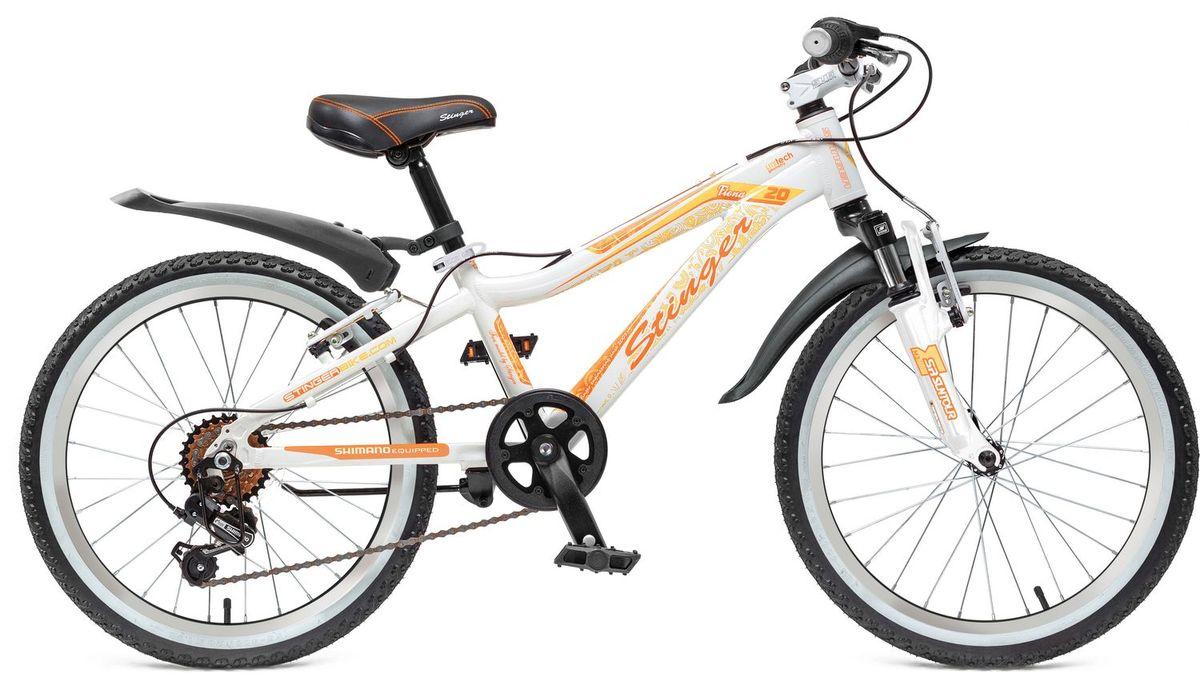 Велосипед детский Stinger Fiona Kid 20, цвет: белый20AHV.FIONA.10WT5Велосипед Stinger Fiona - это подростковый горный велосипед со спортивной геометрией для активного катания. Рама выполнена из прочного и легкого алюминия, поэтому велосипед Stinger Fiona надежен и отлично управляется. Этот велосипед подходит как для новичков, так и для тех, кто уже уверенно чувствует себя на байке. Амортизационная вилка обеспечивает мягкое прохождение кочек и других небольших препятствий, что делает велосипед универсальным. Оборудование Shimano осуществляет переключение передач точно и быстро. Прочная и легкая алюминиевая рама высококачественный алюминий гарантирует легкость и надежность рамы. Амортизационная вилка Suntour M3010 с ходом 50мм - велосипед оборудован амортизационной вилкой для большего комфорта и езде по неровностям.6 скоростей - наличие системы переключения скоростей поможет подобрать комфортный режим езды в зависимости от окружающих условий.Оборудование Shimano Tourney - переключение передач от мирового лидера компании Shimano гарантирует четкую и гладкую работу в любых условиях. Ободные тормоза - легкие и надежные ободные тормоза обеспечат комфортное торможение. Универсальные покрышки Z-Axis - для лучшего сцепления на покрышках используется специальный рисунок, создающий условия для хорошей управляемости.