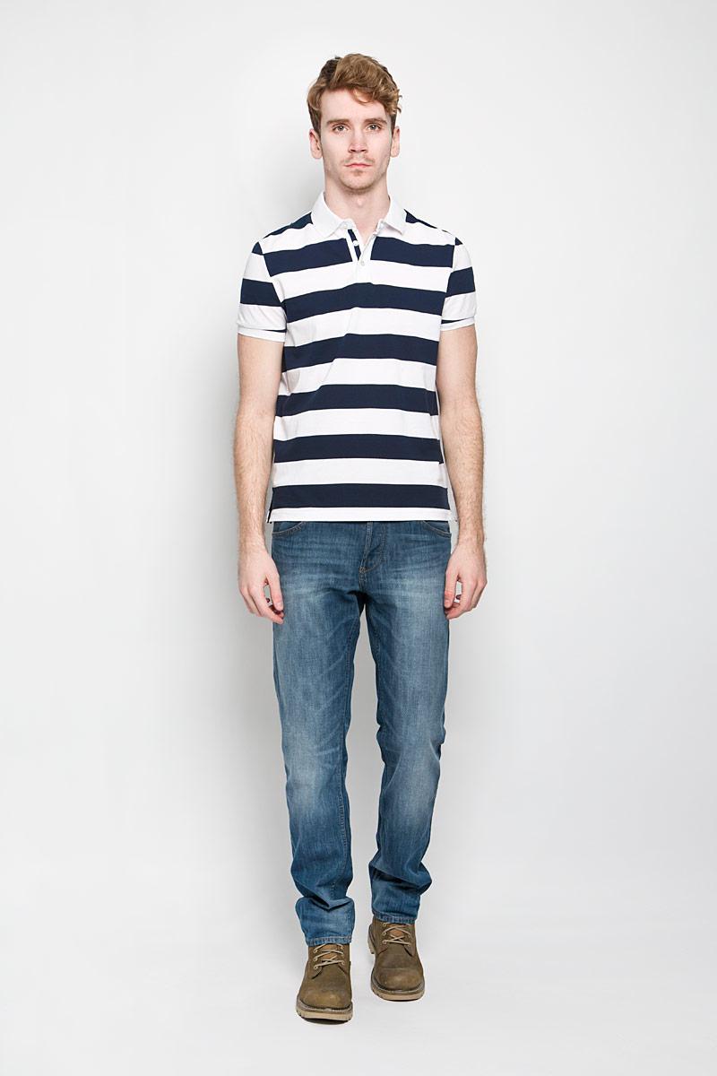 Поло мужское Baon, цвет: темно-синий, белый. B706004. Размер XL (52)B706004Стильная мужская футболка-поло Baon изготовленная из натурального хлопка, обладает высокой теплопроводностью, воздухопроницаемостью и гигроскопичностью, позволяет коже дышать.Модель с короткими рукавами и отложным воротником - идеальный вариант для создания оригинального современного образа. Сверху футболка-поло застегивается на 2 пуговицы. Модель оформлена принтом в широкую полоску. В боковых швах обработаны небольшие разрезы.Такая модель подарит вам комфорт в течение всего дня и послужит замечательным дополнением к вашему гардеробу.