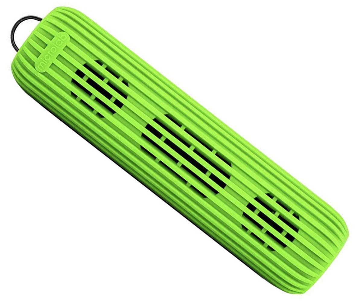 Microlab D21, Green портативная акустическая система80531Акустическая система необычной формы и дизайна ориентирована на людей, ведущих активный образ жизни. Microlab D21способна стать прекрасным спутником как на небольшом пикнике на природе, так и в долгом походе. Благодарясиликоновому покрытию корпуса, сателлит прощает слушателю небольшие ударные воздействия, а такжепрекрасно переносит как росу, так и небольшой дождик, что наряду с пылью, может стать фатальным для другихпортативных акустических систем.Небольшие размеры обеспечивают портативность системы, она не занимает много места и поместится в любомрюкзаке или сумке, а идущий в комплекте шнурок способен закрепить сателлит в походном варианте, позволяяизбежать потери колонки.В Bluetooth-режиме при входящем звонке на телефон, можно ответить на звонок через сателлит. Благодарявстроенному в колонку микрофону, телефон искать не обязательно.Колонка способна воспроизводить музыку без источника звука. Чтобы послушать музыку, вам не обязательноразряжать собственный телефон, достаточно вставить Micro SD-card в колонку и наслаждаться любимымимелодиями.Многообразие цветов. Microlab D21 представлена в 5 цветах, можно выбрать ту расцветку, которая подходитименно вам.Литиевая батарея: 3,7 В; 1200 мАч
