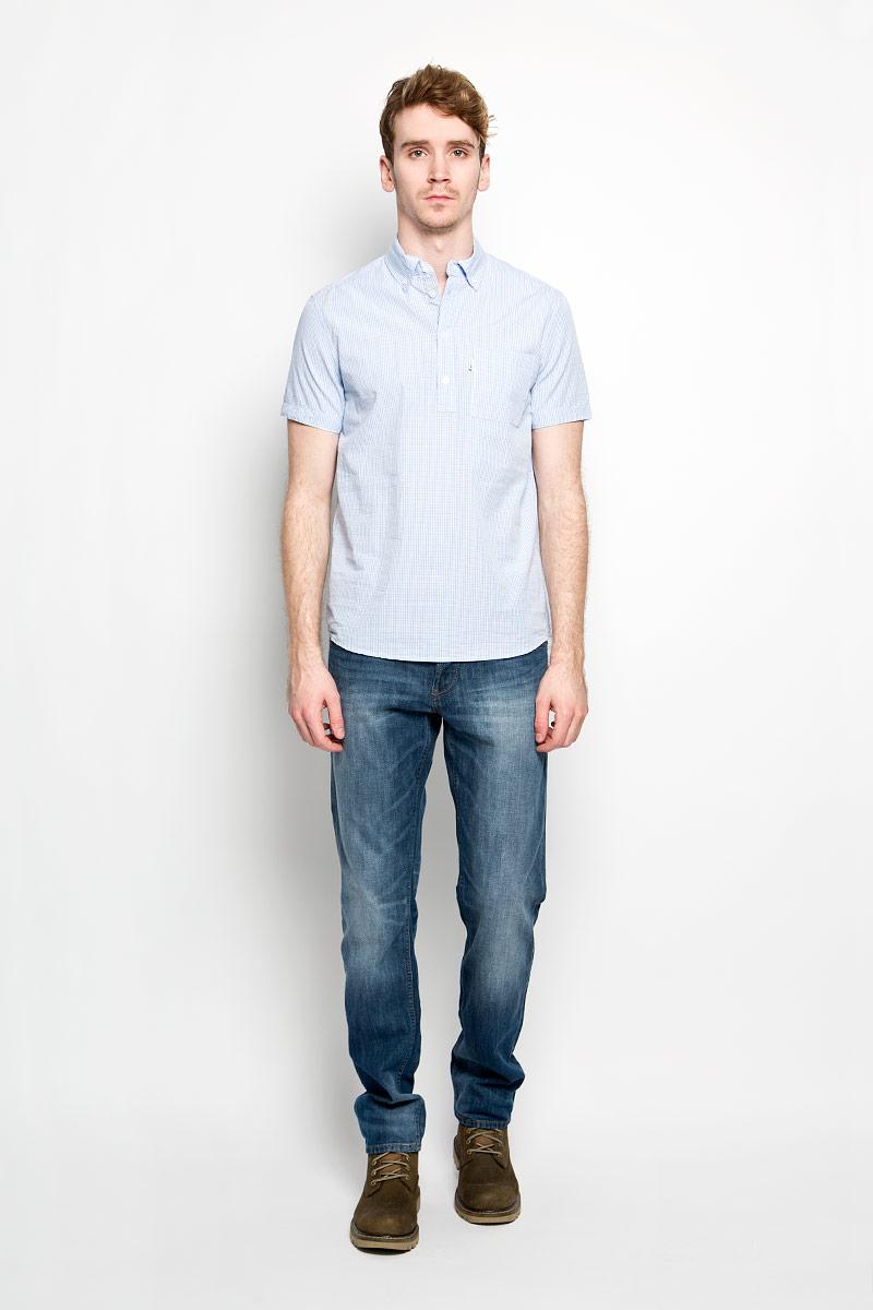 Рубашка мужская F5, цвет: голубой, белый. 150105/7316. Размер M (48)150105/7316Модная мужская рубашка F5, изготовленная из натурального хлопка, прекрасно подойдет для повседневной носки. Изделие очень мягкое и приятное на ощупь, не сковывает движения и хорошо пропускает воздух. Рубашка с отложным воротником и короткими рукавами застегивается на пуговицы по всей длине. На груди расположен накладной карман. Изделие украшено вышитой надписью с названием бренда. Такая модель будет дарить вам комфорт в течение всего дня и станет стильным дополнением к вашему гардеробу.