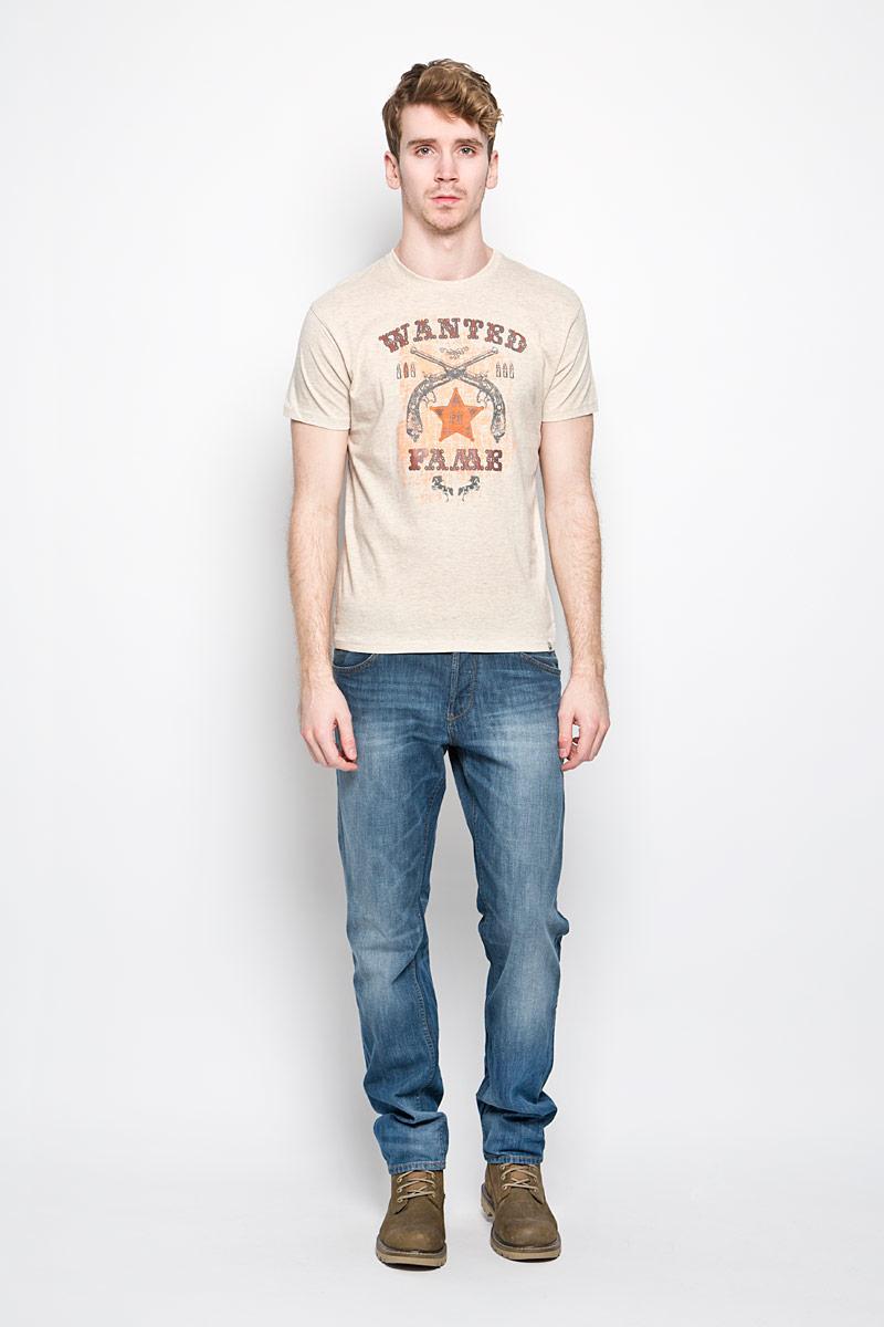 Футболка мужская F5, цвет: серо-бежевый. 150854/2285. Размер XL (52)150854Стильная мужская футболка F5 выполнена из натурального хлопка. Материал очень мягкий и приятный на ощупь, обладает высокой воздухопроницаемостью и гигроскопичностью, позволяет коже дышать. Модель прямого кроя с круглым вырезом горловины и короткими рукавами. Горловина обработана трикотажной резинкой, которая предотвращает деформацию после стирки и во время носки. Футболка дополнена оригинальным рисунком и надписями на английском языке. Внизу изделие оформлено небольшой нашивкой с названием бренда.Такая модель подарит вам комфорт в течение всего дня и послужит замечательным дополнением к вашему гардеробу.