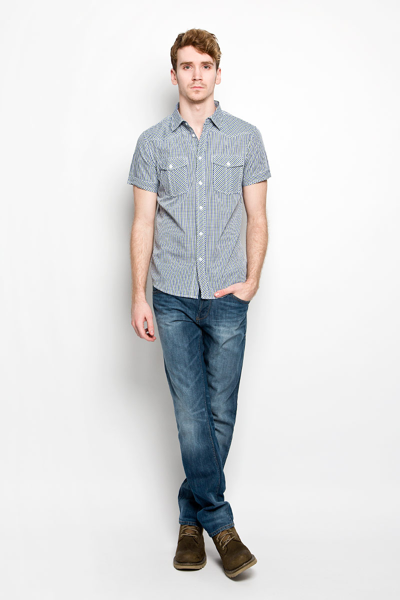 Рубашка мужская F5, цвет: белый, синий, зеленый. 150237/7166. Размер L (50)150237/7166Мужская рубашка F5, выполненная из натурального хлопка, идеально дополнит ваш образ. Материал мягкий и приятный на ощупь, не сковывает движения и позволяет коже дышать.Рубашка классического кроя с короткими рукавами и отложным воротником застегивается на пуговицы по всей длине. На груди модель дополнена двумя накладными карманами.Такая модель будет дарить вам комфорт в течение всего дня и станет стильным дополнением к вашему гардеробу.
