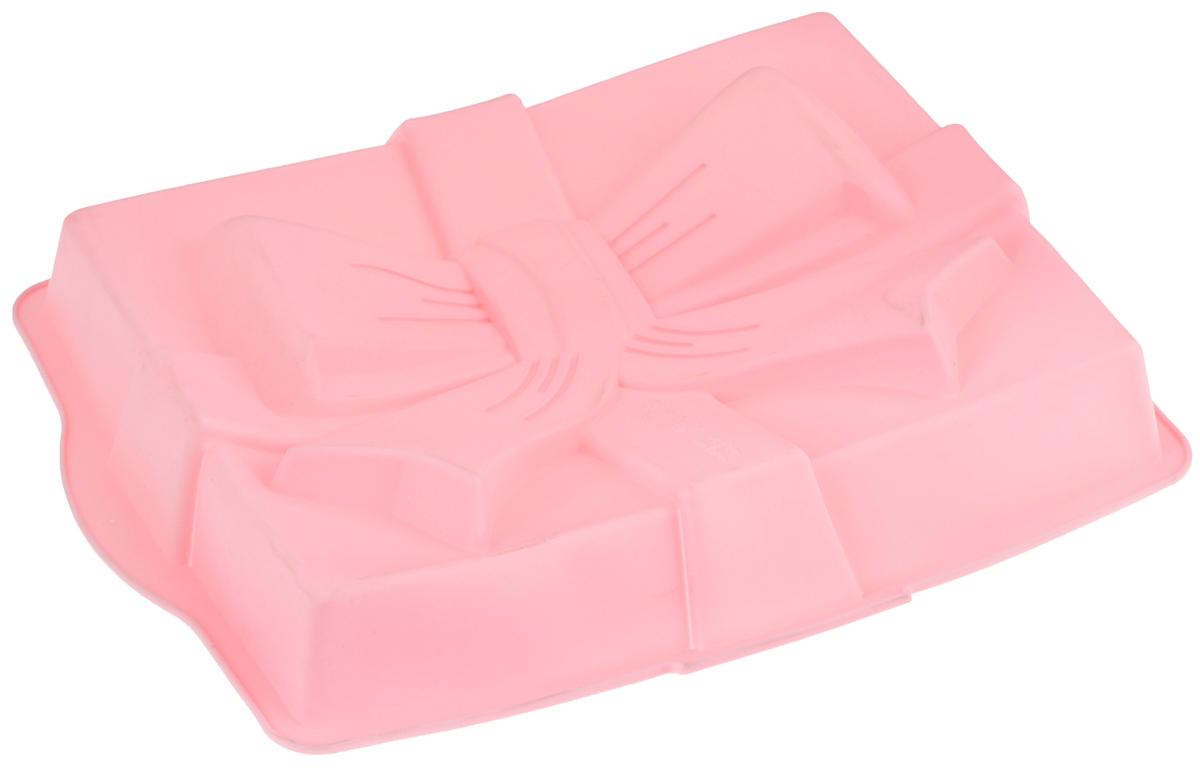 Форма для выпечки Mayer & Boch Сюрприз, силиконовая, цвет: розовый, 31 х 23 х 6 см21981_розовыйФорма для выпечки Mayer & Boch Сюрприз изготовлена из высококачественного силикона. Дно изделия изготовлено в виде бантика. Стенки формы легко гнутся, что позволяет легко достать готовую выпечку и сохранить аккуратный внешний вид блюда.Силикон - материал, который выдерживает температуру от -40°С до +230°С. Изделия из силикона очень удобны виспользовании: пища в них не пригорает и не прилипает к стенкам, форма легко моется. Приготовленное блюдоможно очень просто вытащить, просто перевернув форму, при этом внешний вид блюда не нарушится. Изделиеобладает эластичными свойствами: складывается без изломов, восстанавливает свою первоначальную форму.Порадуйте своих родных и близких любимой выпечкой в необычном исполнении. Подходит для приготовления в микроволновой печи и духовом шкафу при нагревании до +230°С; длязамораживания до -40°.Внутренний размер формы: 29 х 23 х 5 см.