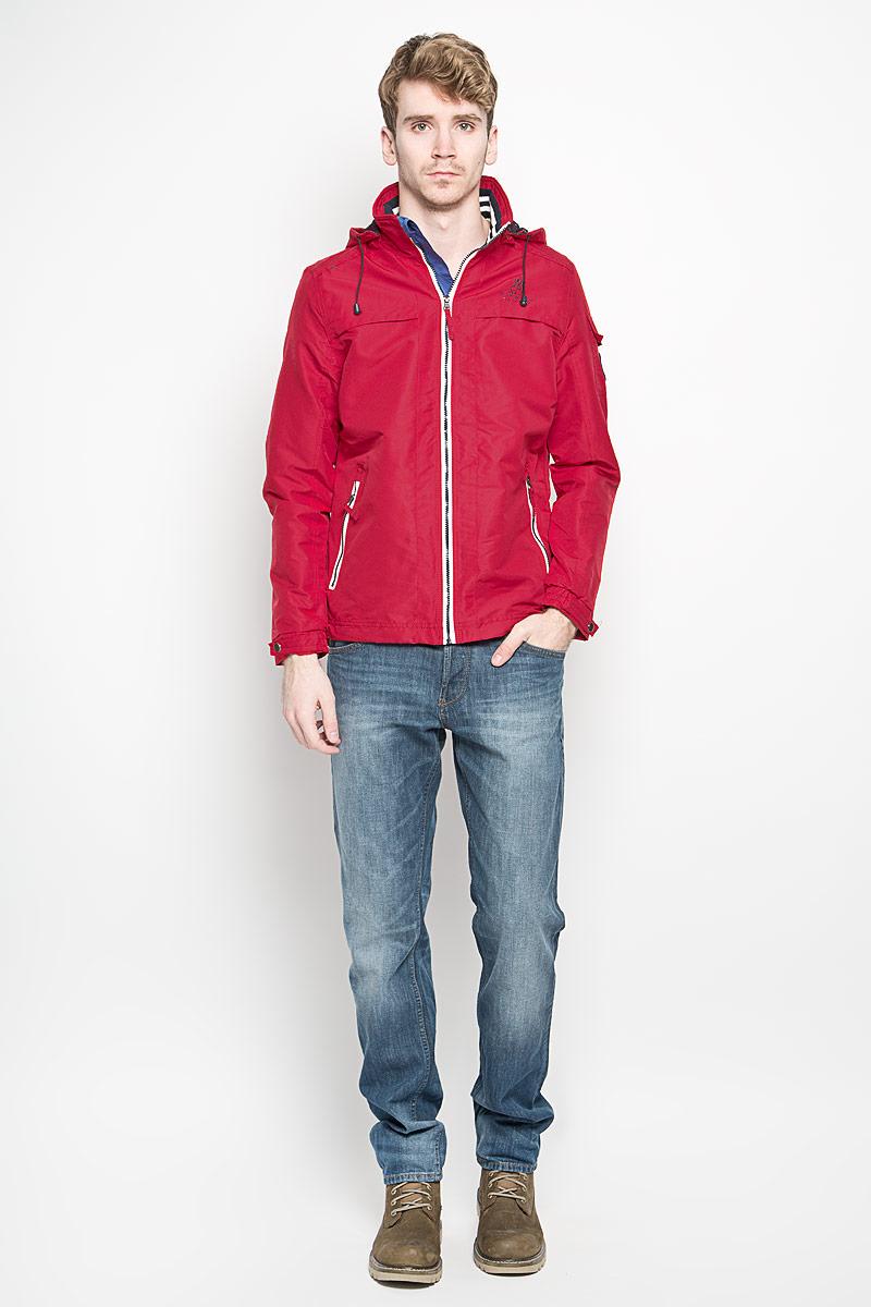 Куртка мужская MeZaGuZ, цвет: бордовый. Behaviour/RED. Размер L (50)Behaviour/REDСтильная мужская куртка MeZaGuZ выполнена из полиэстера на подкладке из полиэстера. Такая модель рассчитана на прохладную погоду. Куртка поможет вам почувствовать себя максимально комфортно и стильно. Модель с длинными рукавами и воротником-стойкой застегивается на пластиковую застежку-молнию с защитой для подбородка. Куртка дополнена съемным капюшоном с кулиской. Низ рукава оформлен хлястиком на металлической кнопке. Куртка дополнена двумя прорезными карманами на застежке-молнии и потайным кармашком на застежке-молнии, который расположен с внутренней стороны изделия. На левом рукаве небольшой накладной карман, который закрывается клапаном и фиксируется липучкой. Спереди модель оформлена небольшой вышитой принтовой надписью, на левом рукаве небольшая нашивка круглой формы, а на спинке небольшая нашивкой треугольной формы. Модный дизайн и практичность - отличный выбор на каждый день!