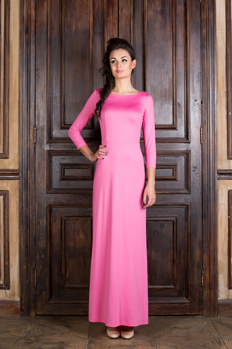 Платье Анна Чапман, цвет: розовый. P20E-P. Размер 40P20E-PВеликолепное платье Анна Чапман, выполненное из нежнейшей ткани, идеально сидит благодаря правильным выточкам. Модель выполнена из полиэстера с добавлением эластана.Платье-макси приталенного кроя с вырезом горловины лодочка и рукавами 3/4 подойдет как для вечернего выхода, так и на каждый день. Спинка оформлена неглубоким V-образным вырезом.