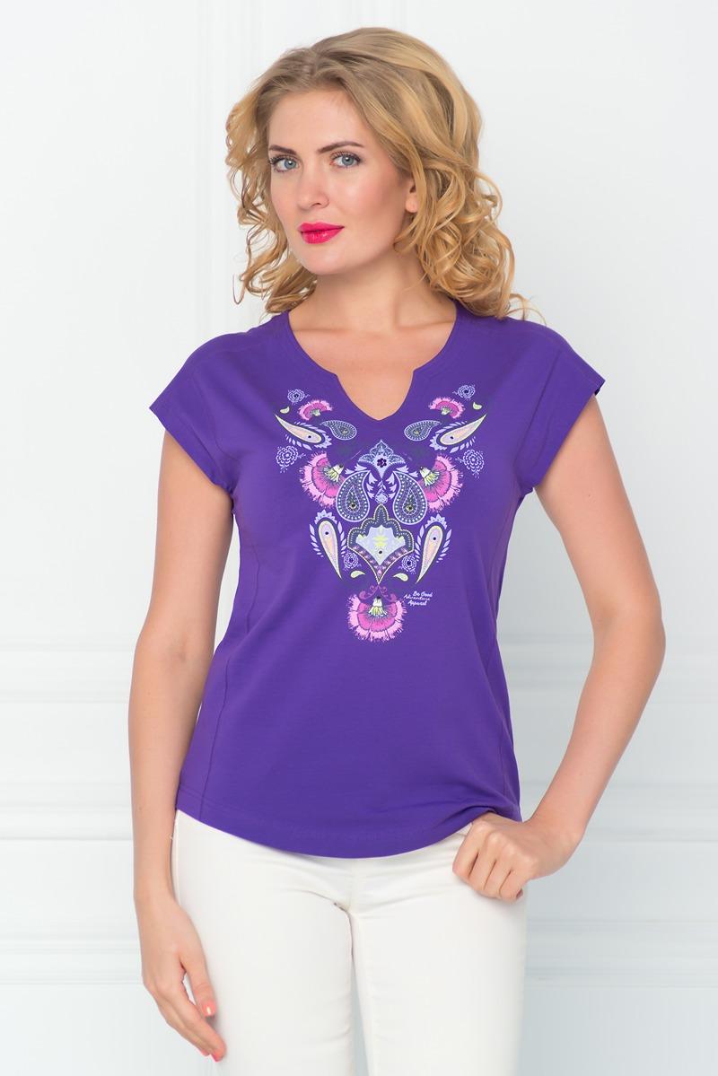 Футболка женская BeGood, цвет: фиолетовый. SS16-BGUZ-529. Размер 50SS16-BGUZ-529Стильная женская футболка BeGood изготовлена из эластичного хлопка.Приталенная модель с фигурным вырезом горловины и короткими цельнокроенными рукавами оформлена оригинальным принтом и декорирована стразами.