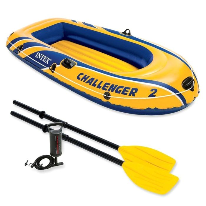 Лодка надувная Intex Challeneger 2, цвет: желтый, синий. 68367NP720690Лодка Intex Challeneger 2 - надувная двухместная, состоит из абсолютно независимых трех воздушных отсеков. Каждый отсек имеет клапан для быстрого скачивания и надувания лодки. Основной, внешний отсек придает лодке форму. Внутренние отсеки создают жесткость лодки на плаву и обеспечивают пассивную безопасность, в случае повреждения основного отсека. Надувной пол обеспечивает дополнительный комфорт нахождения внутри изделия. Для удобства конструкция надувного пола сделана волнистой, поперек бортам лодки. Лодка имеет крепления для весел и две лодочные уключины. На носу имеется пластиковая ручка, для переноса лодки или спуска на воду. Вокруг внешней камеры лодки находится веревочный трос, его можно использовать как для буксировки лодки, так и для швартования.Размер лодки (в надутом состоянии): 236 х 114 х 41 см. Максимальная нагрузка: 200 кг.