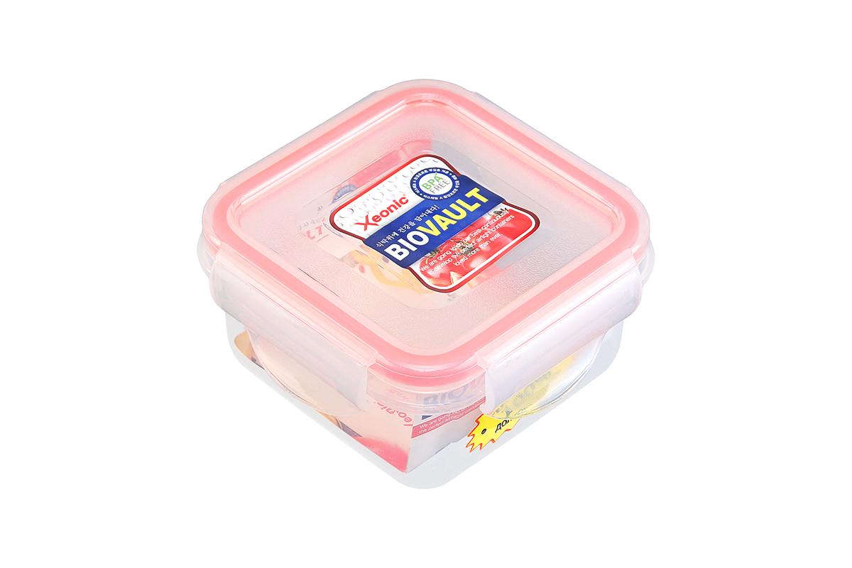 Контейнер пищевой Xeonic, цвет: прозрачный, красный, 200 мл. 810056810056Пластиковый герметичный контейнер для хранения продуктов Xeonic произведен из высококачественных материалов, имеет 100% герметичность, термоустойчив, может быть использован в микроволновой печи и в морозильной камере, устойчив к воздействию масел и жиров, не впитывают запах. Удобен в использовании, долговечен, легко открывается и закрывается, не занимает много места, можно мыть в посудомоечной машине.Размеры контейнера: 9,5 х 9,5 х 4,9 см.