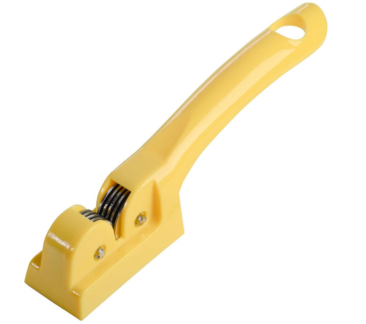 Ножеточка Fackelmann Polonia, цвет: желтый, длина 18 см521831Ножеточка Fackelmann Polonia выполнена из высококачественной нержавеющей стали ипластика. Диски ножеточки специально направлены и заточены, что обеспечиваетбыструю и качественную заточку любых лезвий. Удобная ручка не позволитвыскользнуть изделию из вашей руки. Ручка имеет петлю, с помощью которойножеточку можно подвесить в удобном для вас месте. Длина ножеточки: 18 см. Размер рабочей части: 5 см х 2 см х 3 см.